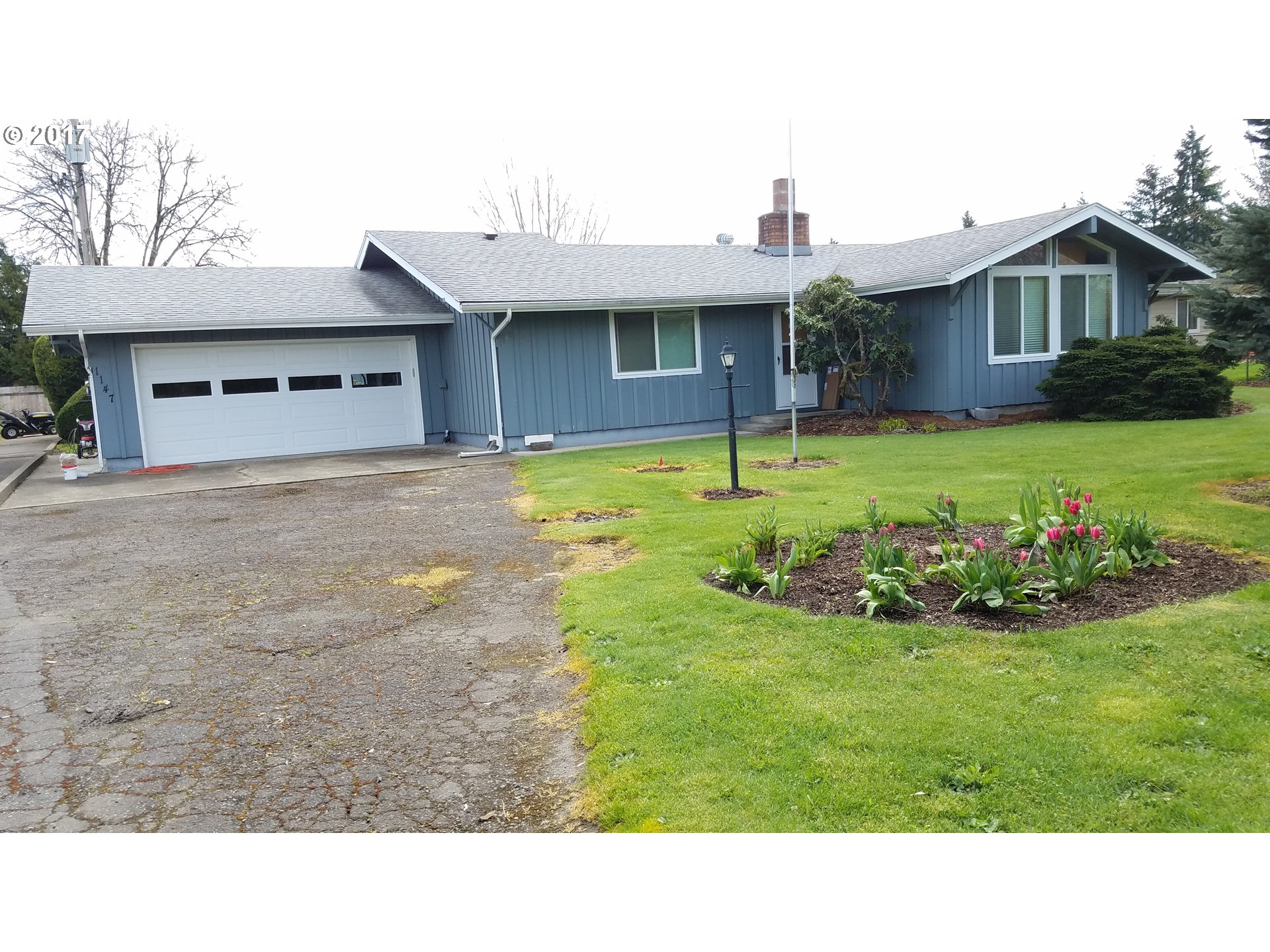 1147 LAUREL AVE, Springfield, OR 97478