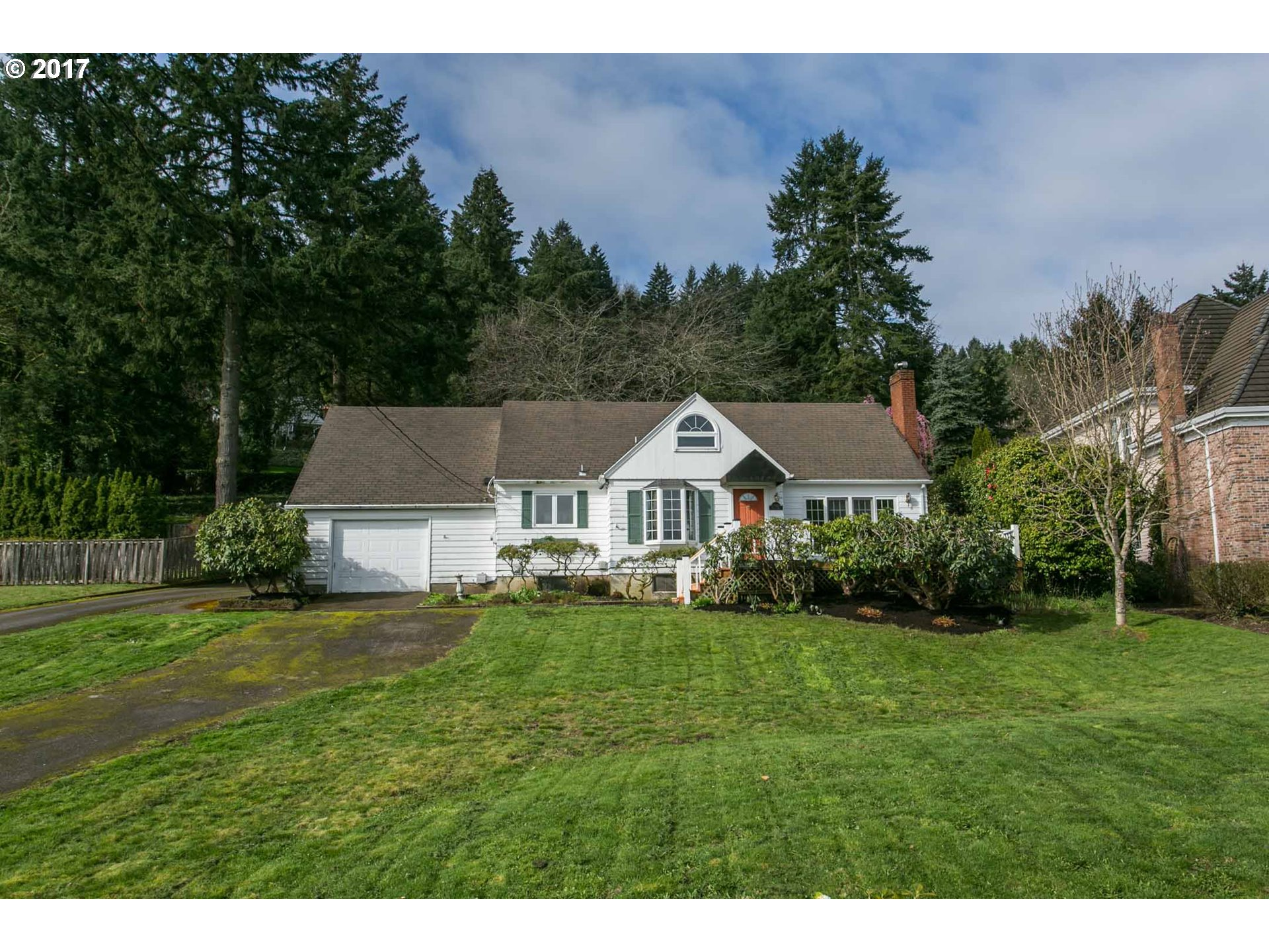 17085 CHAPIN WAY, Lake Oswego, OR 97034