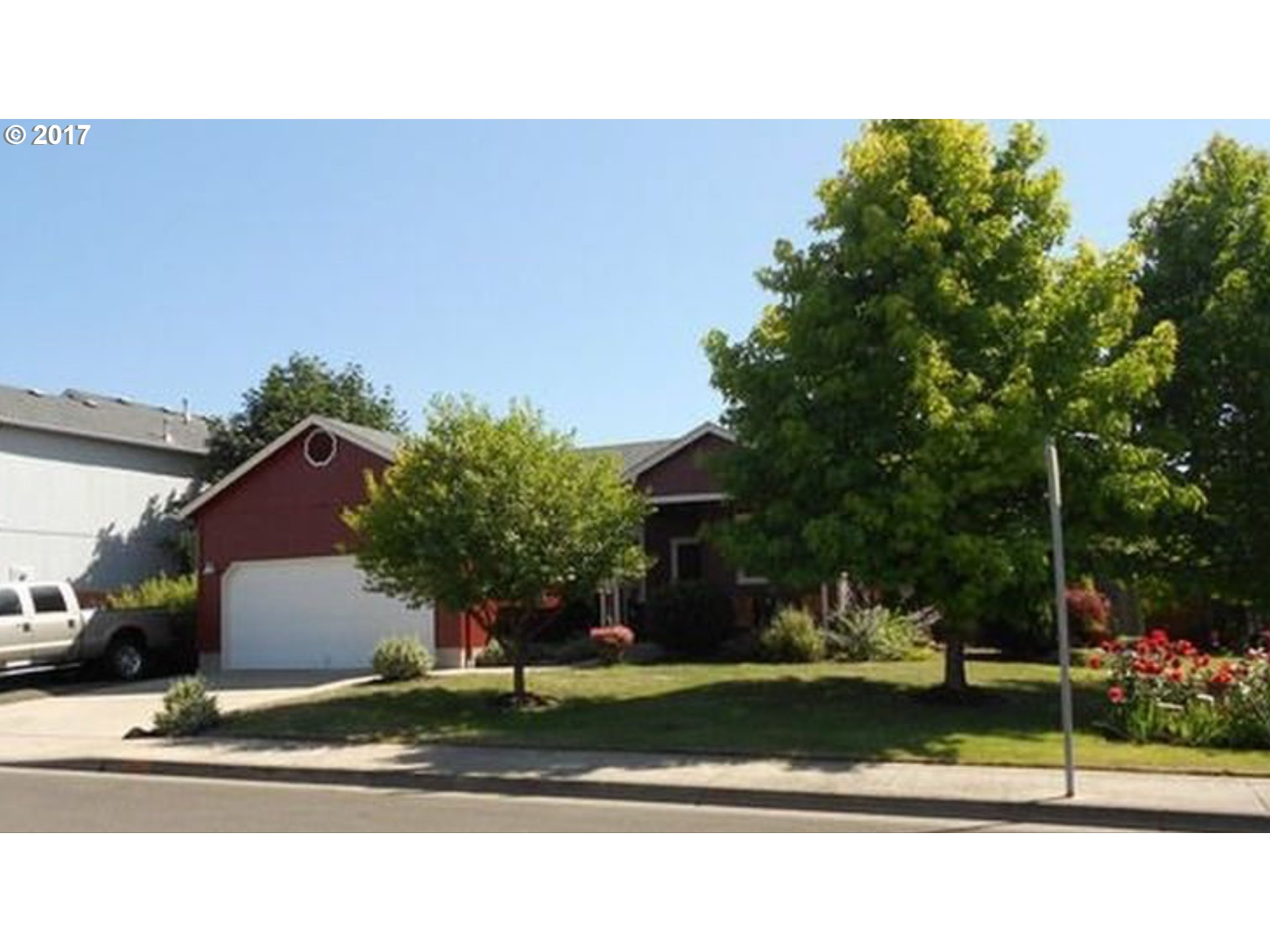 881 OSPREY LOOP, Creswell, OR 97426