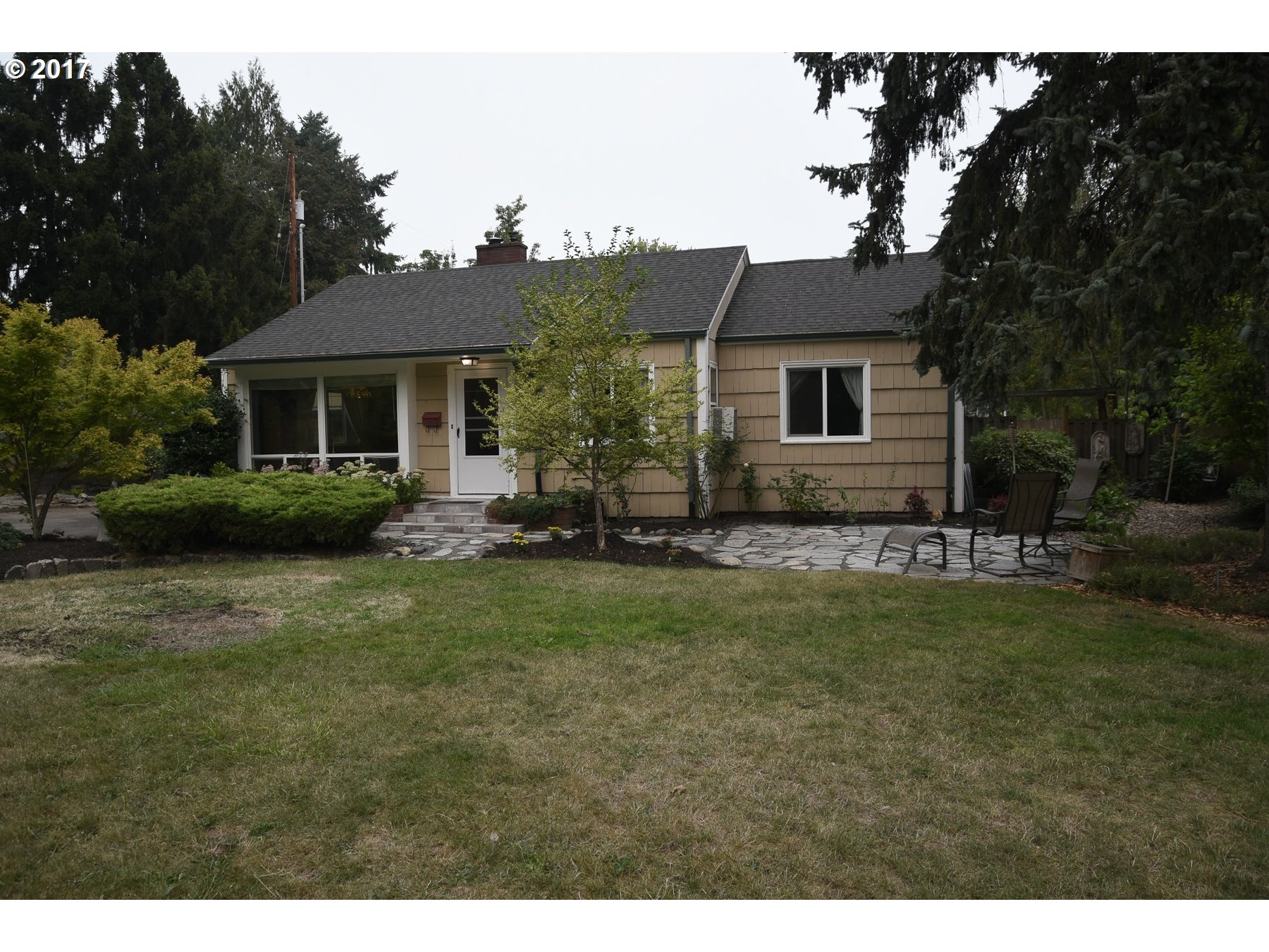 LOCATION LOCATION LOCATION! Well maintained property,move in ready! Hardwood floors throughout the house, skylight on master bed. Great back yard,enjoy peaceful fish pond,garden, and patio for gatherings. Spacious corner lot, blocks away from New Season, Powell's & Max Line* MUST SEE*Appointment is required*Open House Sat 1-3PM & Sun 1-3
