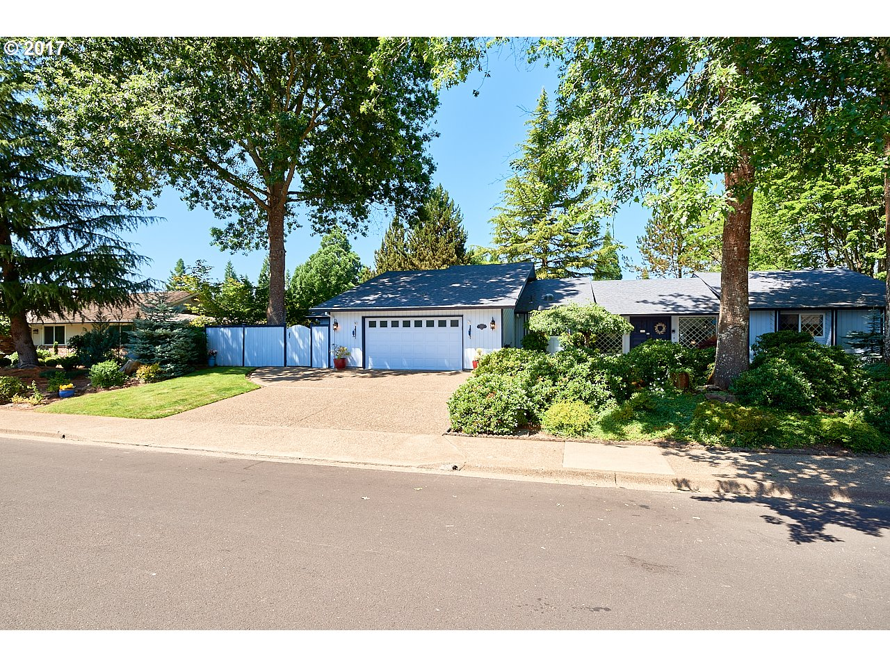 2165 NW SAINT ANDREWS DR, McMinnville, OR 97128