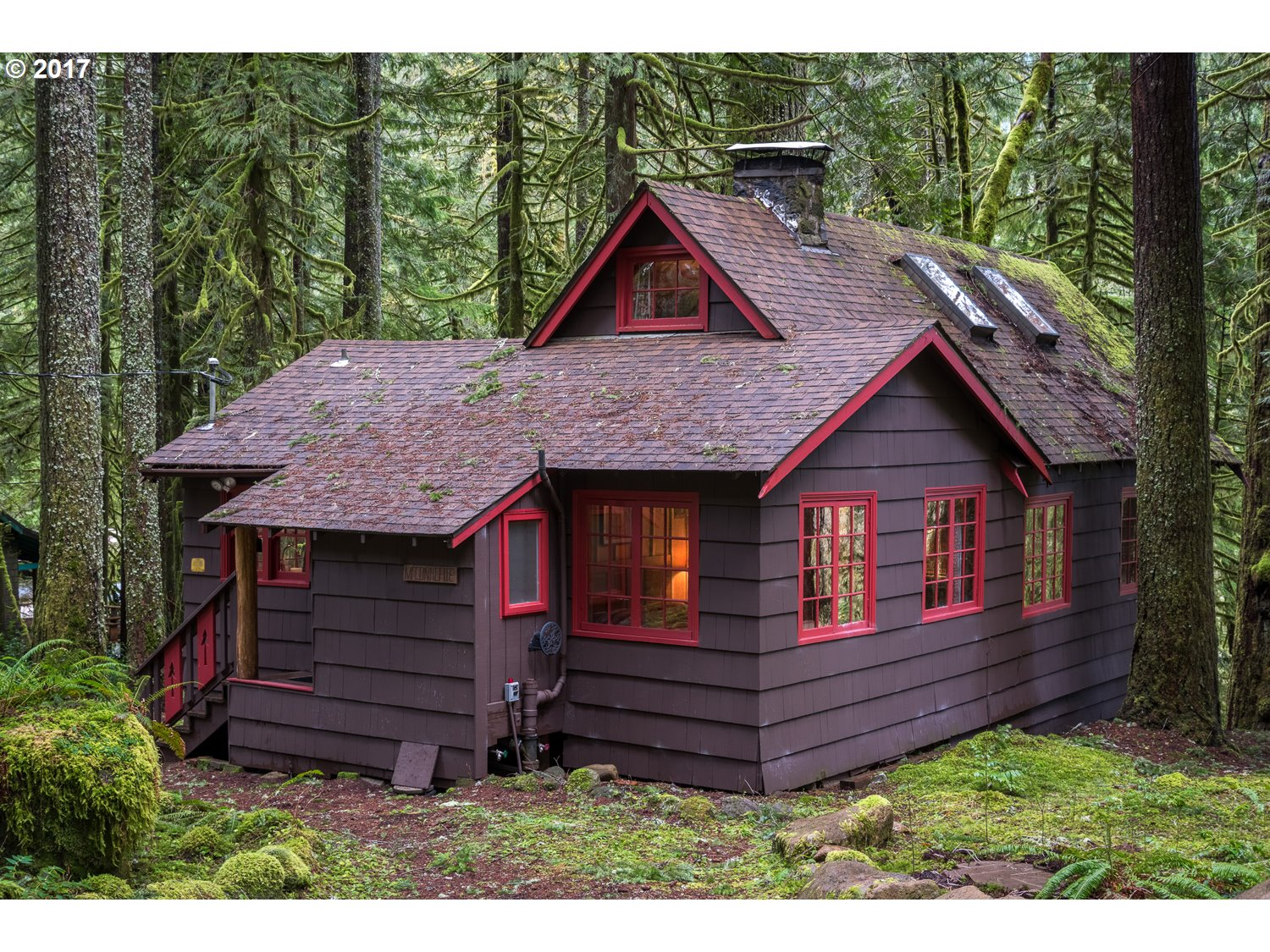 26497 E HENRY CREEK RD, Rhododendron, OR 97049