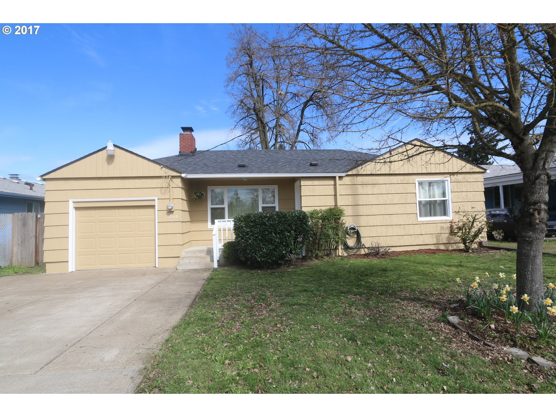 2118 J ST, Springfield, OR 97477