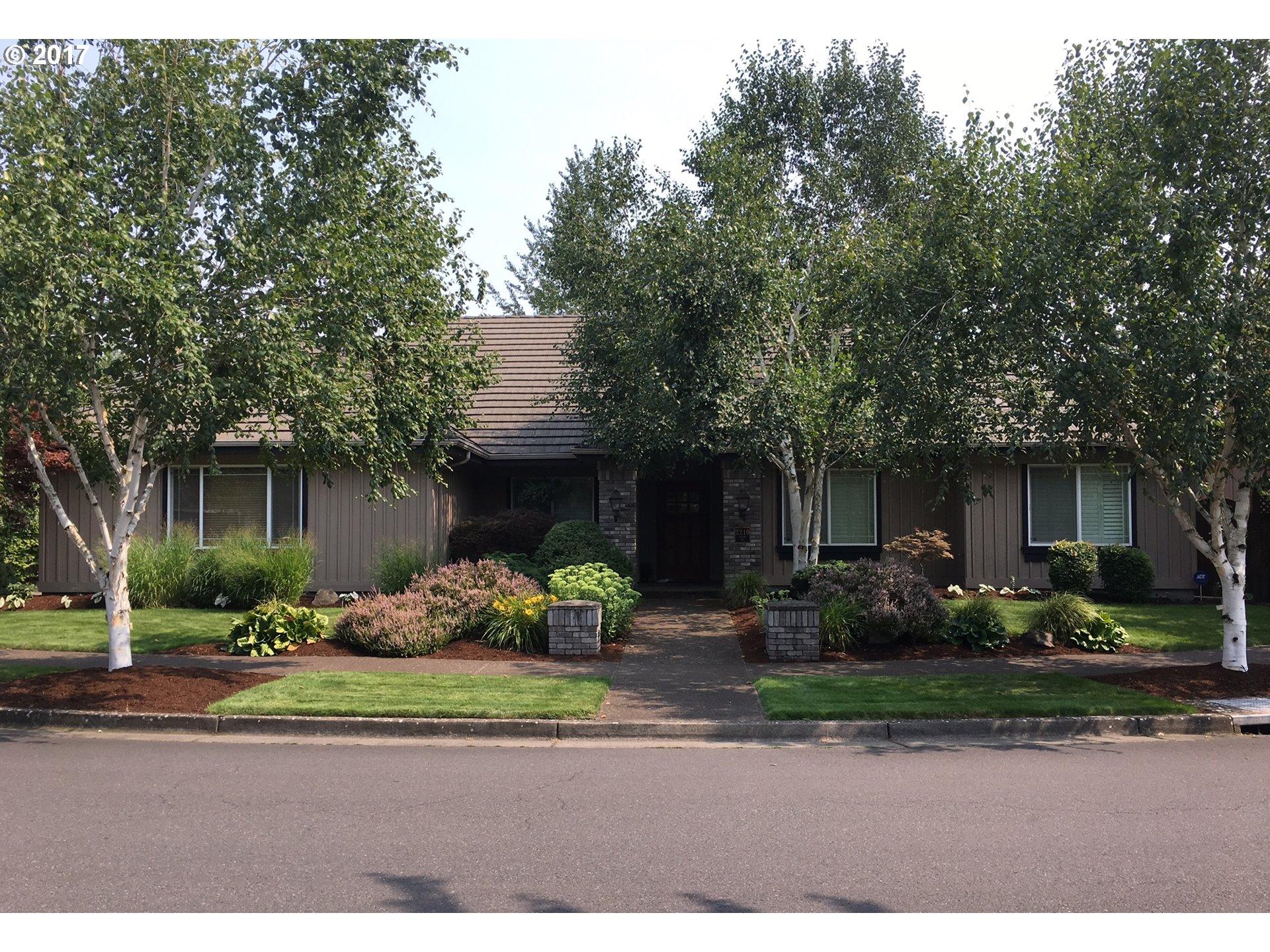 2210 DEVON AVE, Eugene, OR 97408