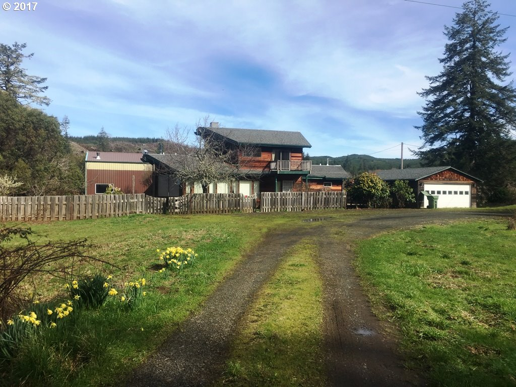 88705 LAMPA LN, Coquille, OR 97423