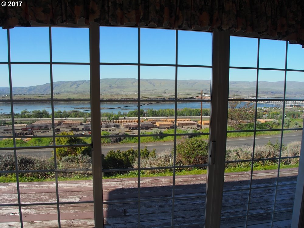 2656 OLD DUFUR RD, THE DALLES, OR 97058  Photo 2