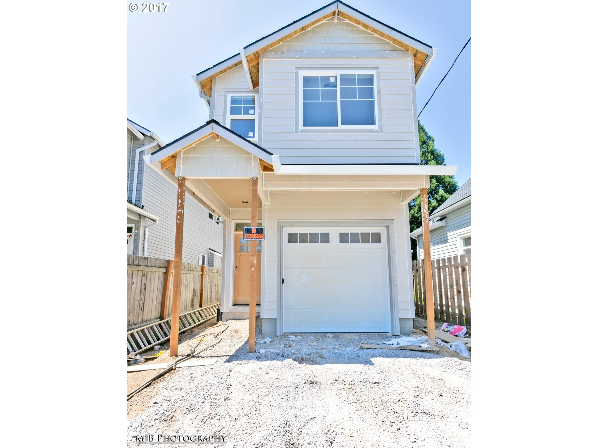 Beautiful new construction in pop Kenton near shopping, dining, transit & freeway access! Also near other neighbrhds:  Mississippi, Arbor Lodge & U of P! BikeScore 80! Quality finishes, built by a long time, local builder w/3 bdrm, 2 1/2 bth w/attached garage, wood flrs on main,  open kitch w/SS apps, forced air heating, hi-ceilings, & much more! Nearly complete and ready for occupancy for summer!