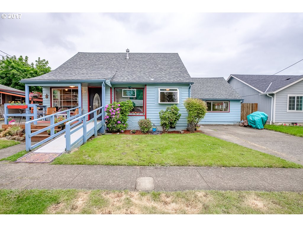 832 8TH AVE Sweet Home, OR 97386 - MLS #: 17340593