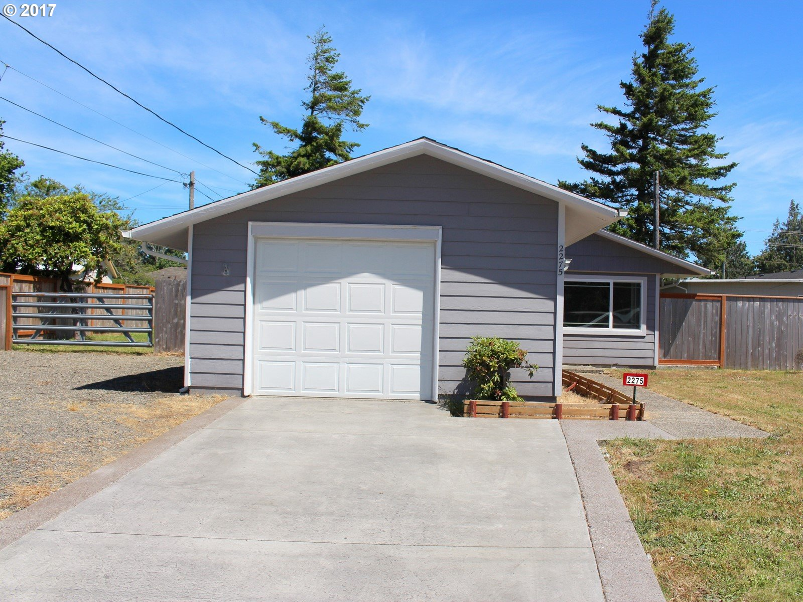 2275 17TH ST, Florence, OR 97439