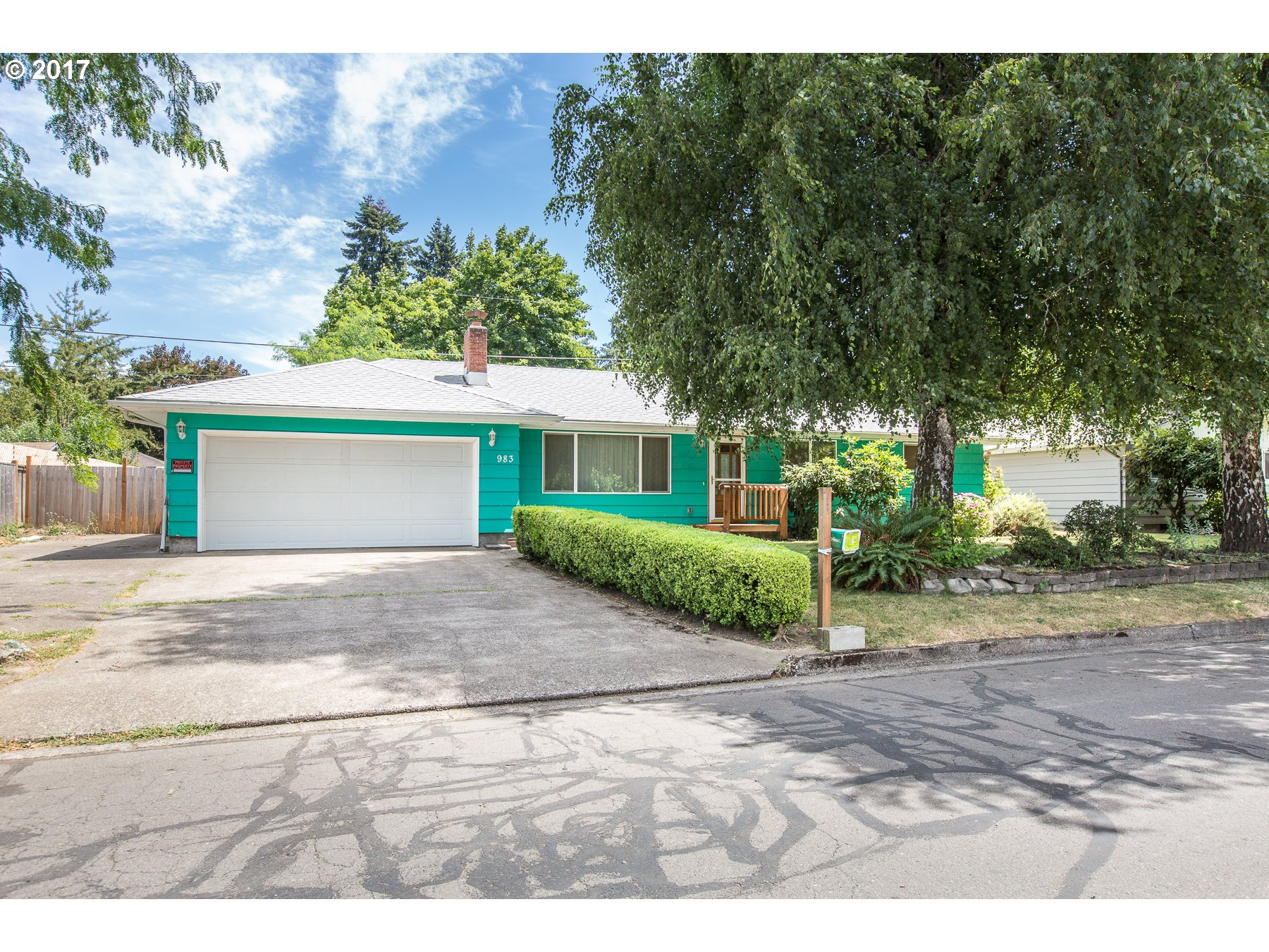 983 S 40TH PL, Springfield OR 97478