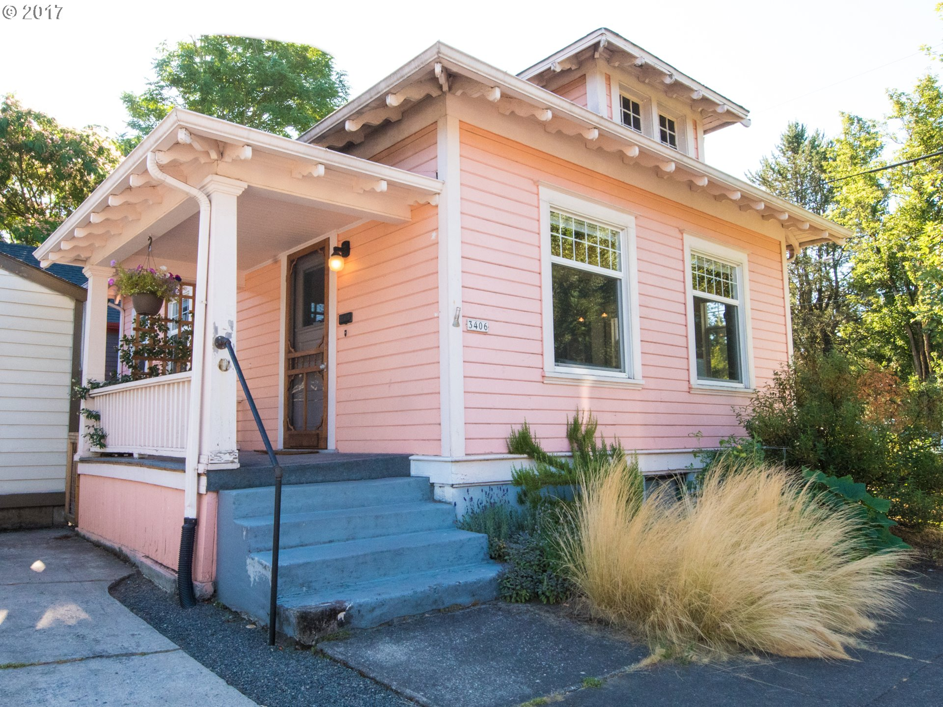 It doesn't get any better than this! Walk to everything Portland has to offer on North Williams: restaurants, bike routes, shopping, FUN! Charming bungalow flooded in natural light, on corner lot, remodeled with hi end finishes in bathroom & radiant floor heat! Room to grow with hi ceilings in the basement and an exterior door, if you want an ADU. There's even a garage for your toys; what are you waiting for?