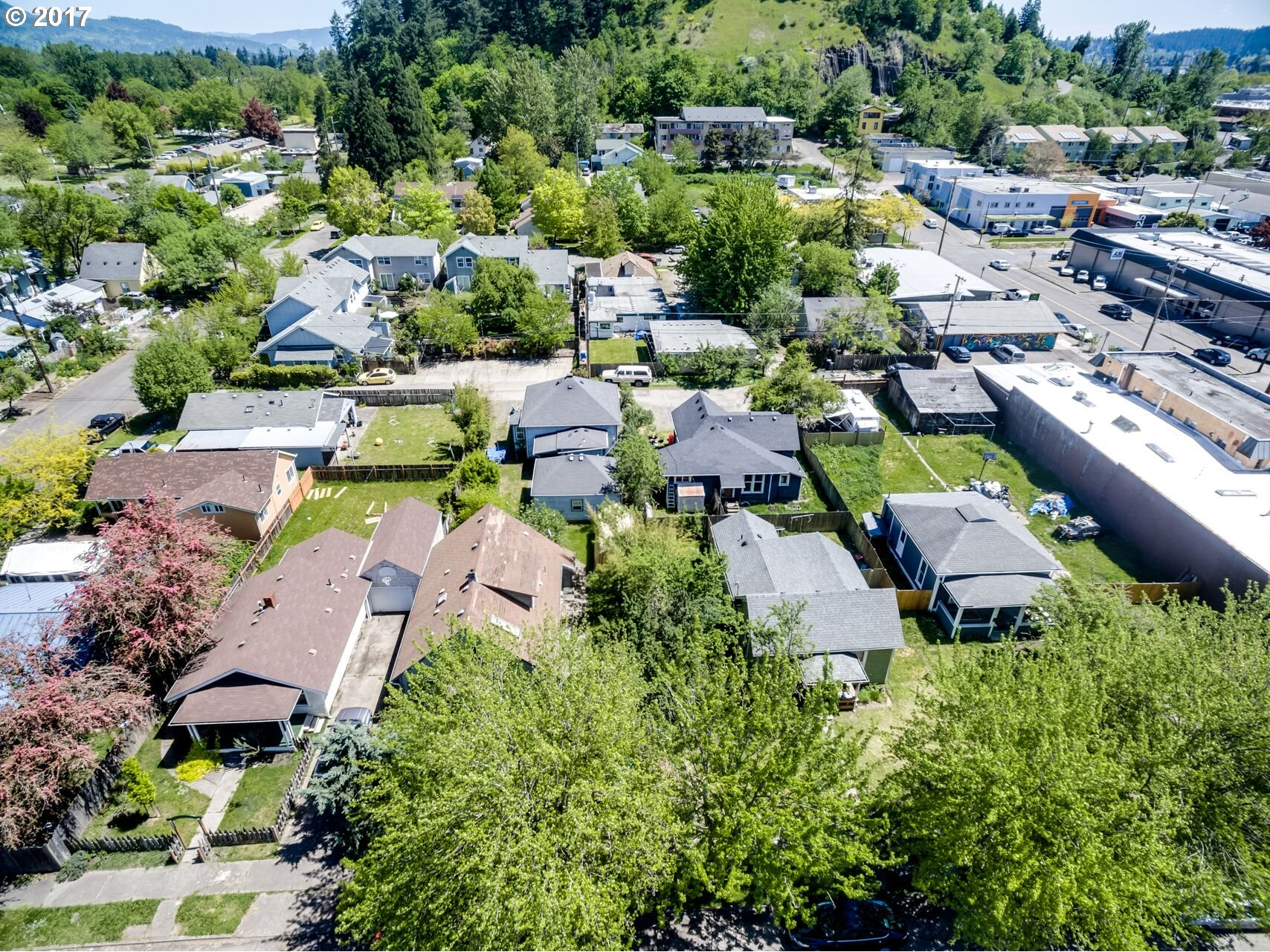 37 WASHINGTON ST, Eugene, OR 97401