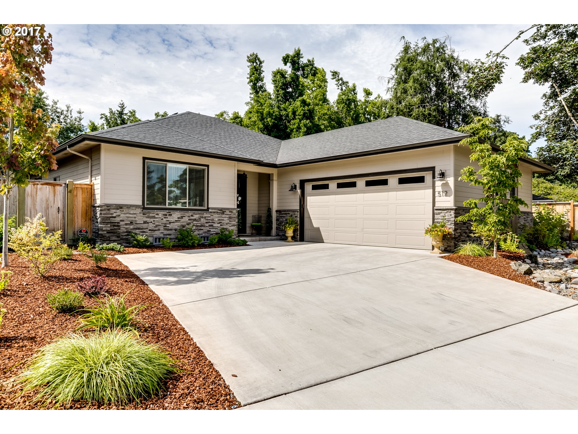 512 SILVER MEADOWS DR, Eugene, OR 97404