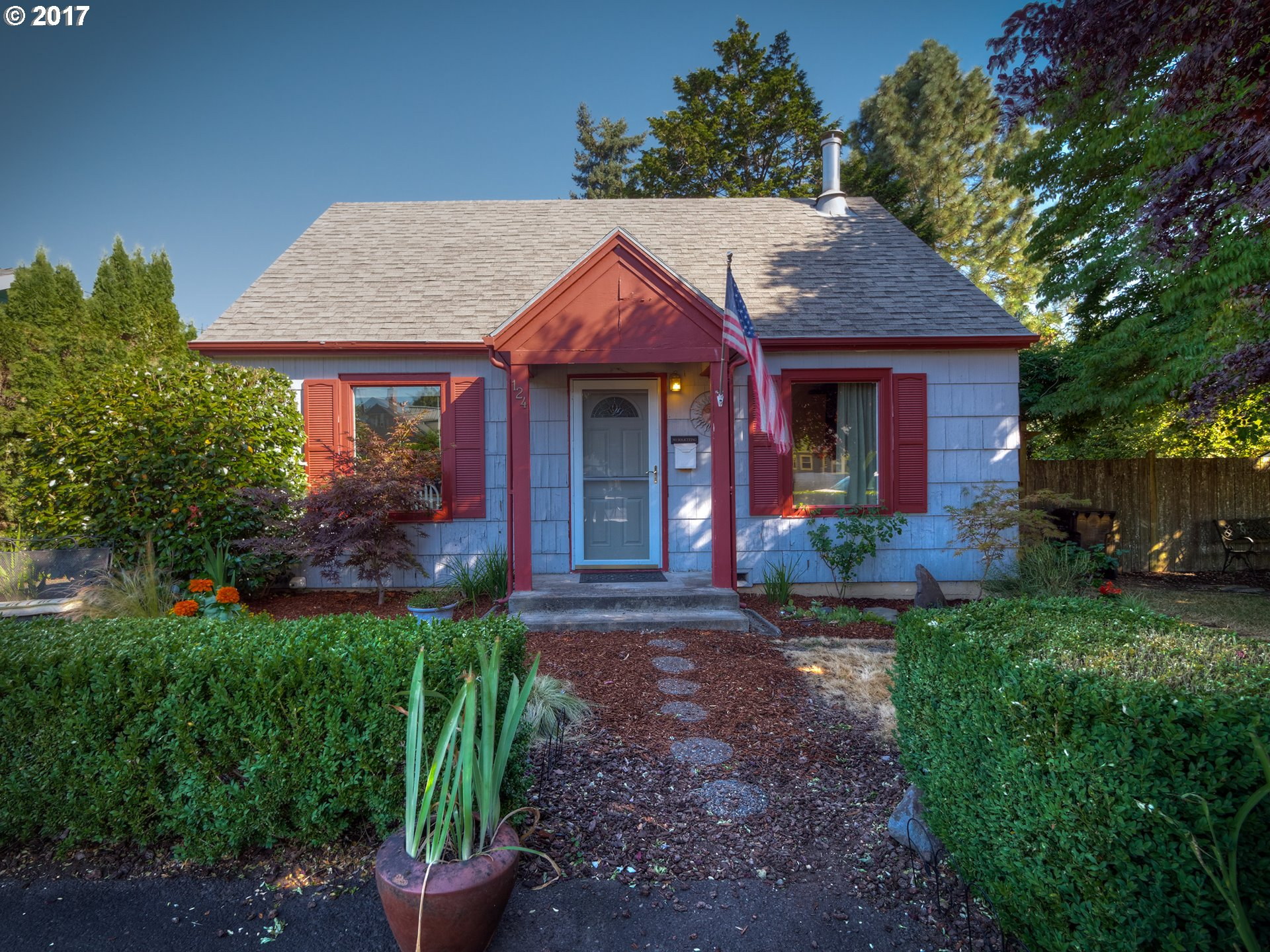 124 NE 5TH AVE, Canby, OR 97013