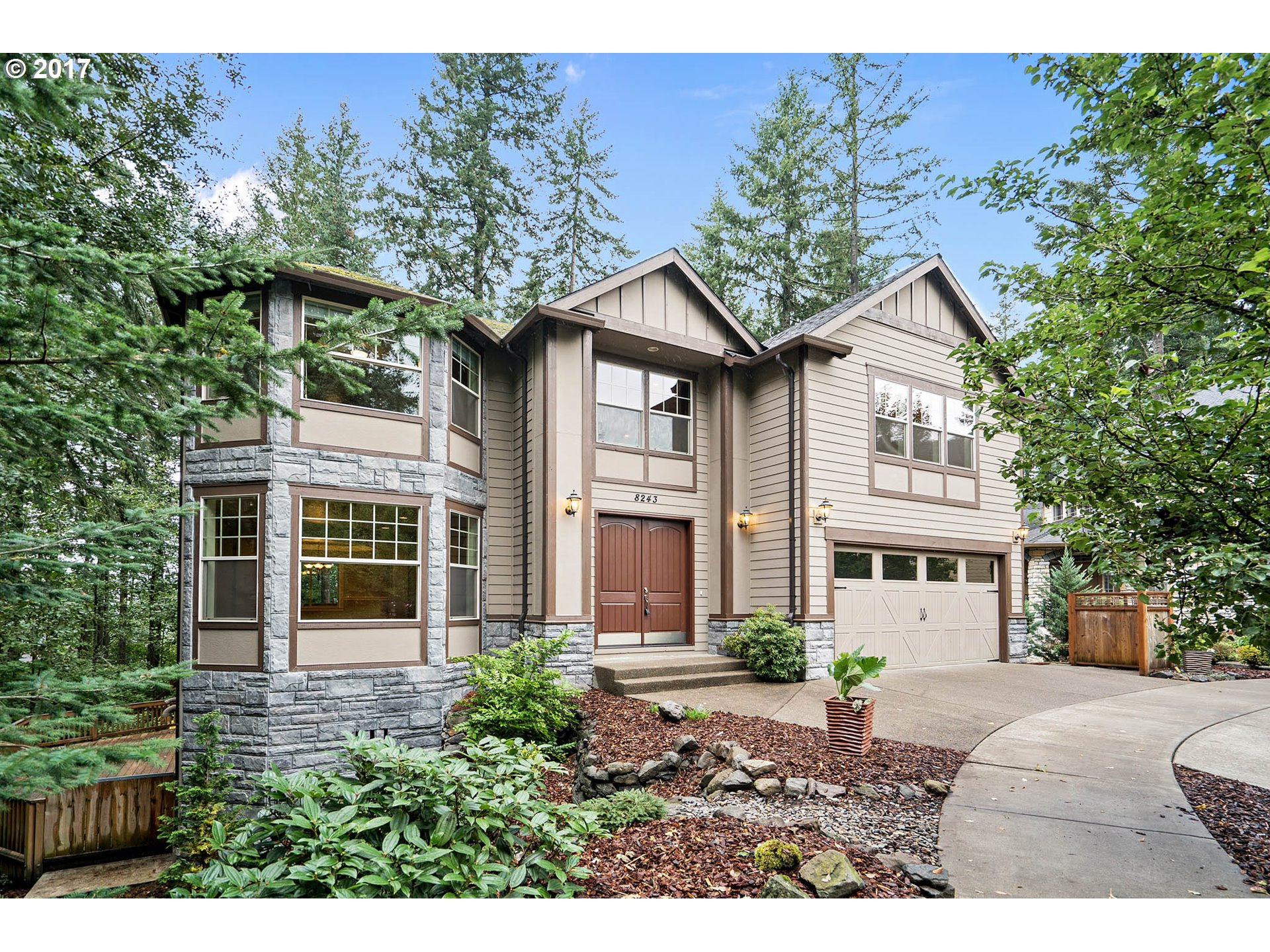 8243 SE PINERIDGE CT, Portland OR 97236