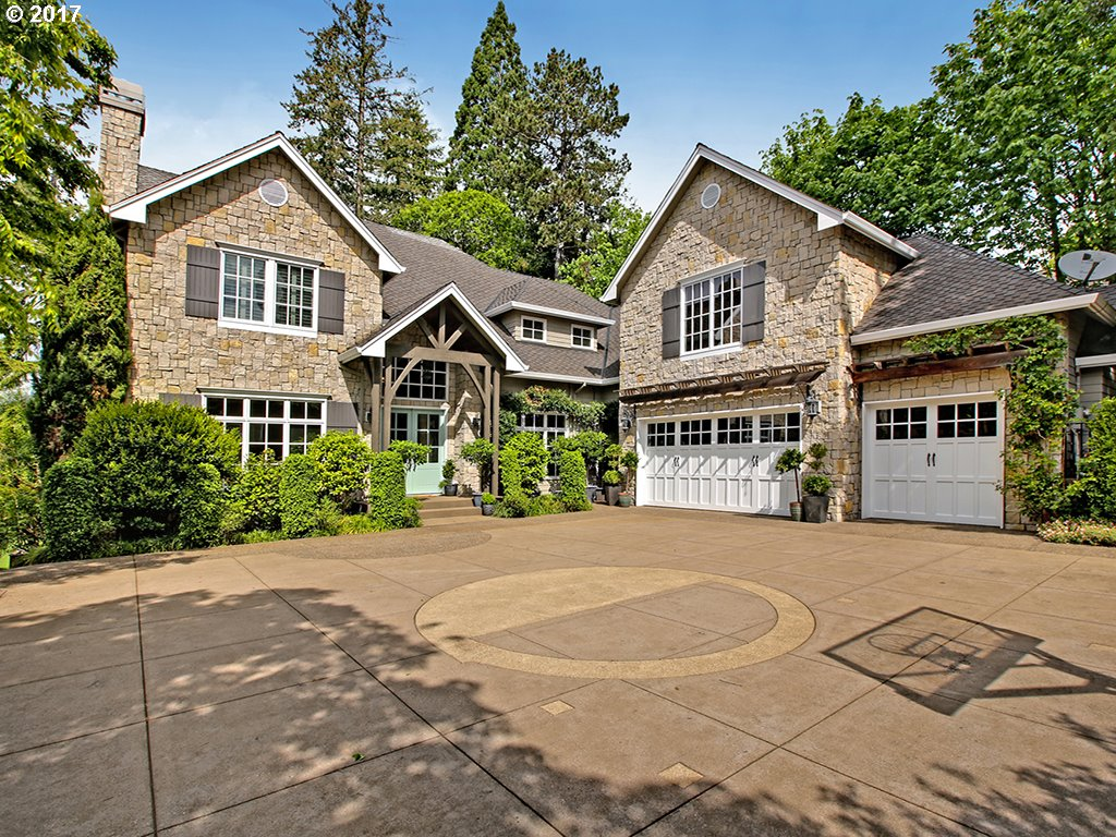 1655 LESLIE LN, Lake Oswego OR 97034