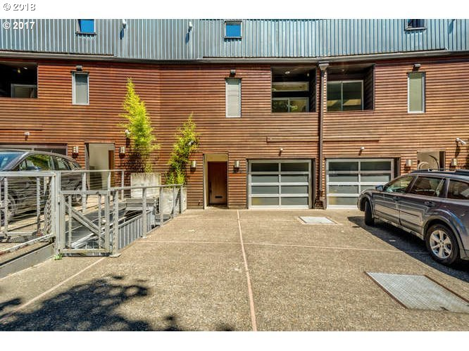 2216 SW HOFFMAN AVE, Portland, OR 97201