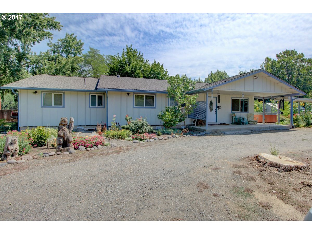 Williams, OR 4 Bedroom Home For Sale