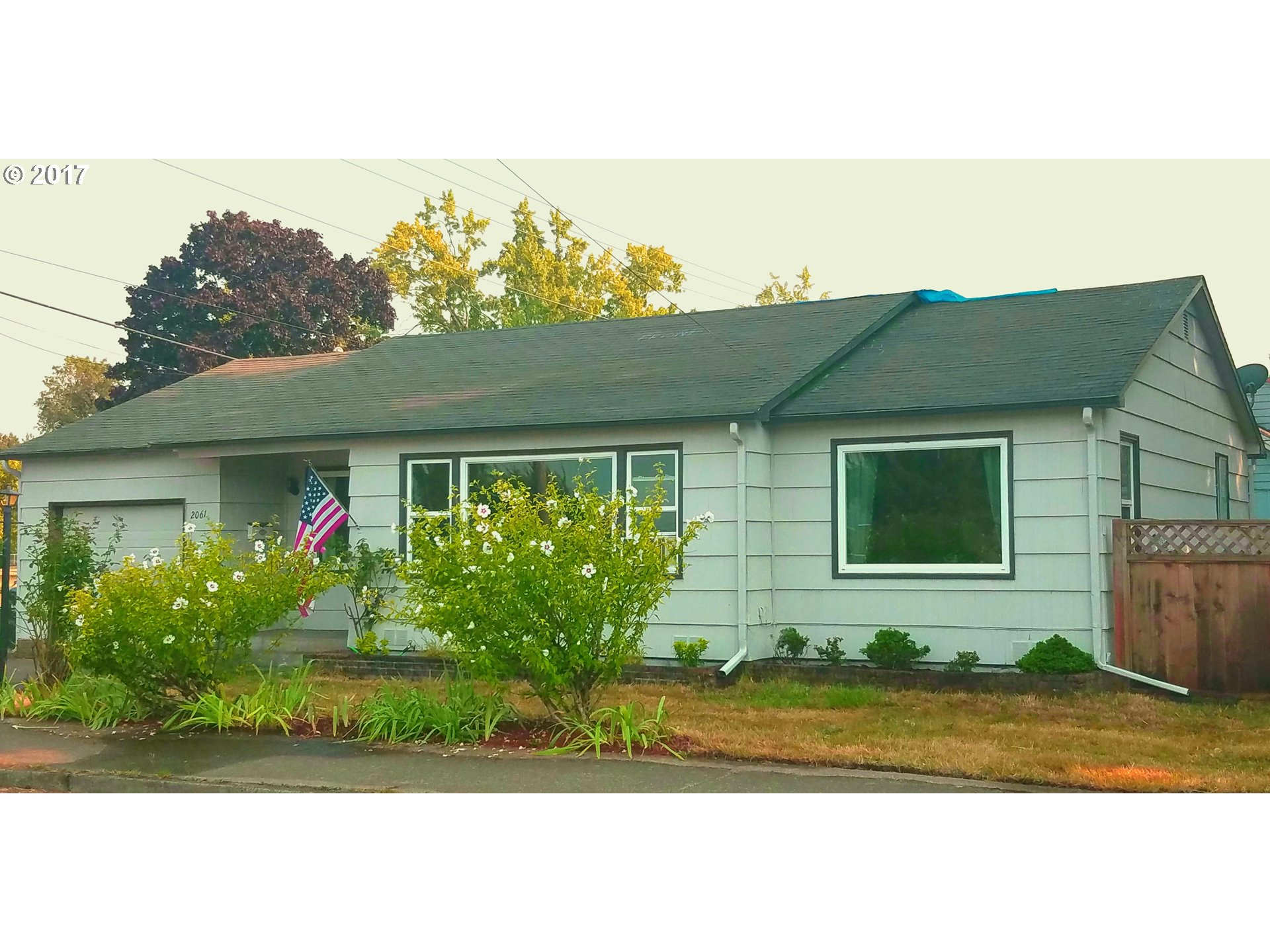 2061 J ST, Springfield OR 97477