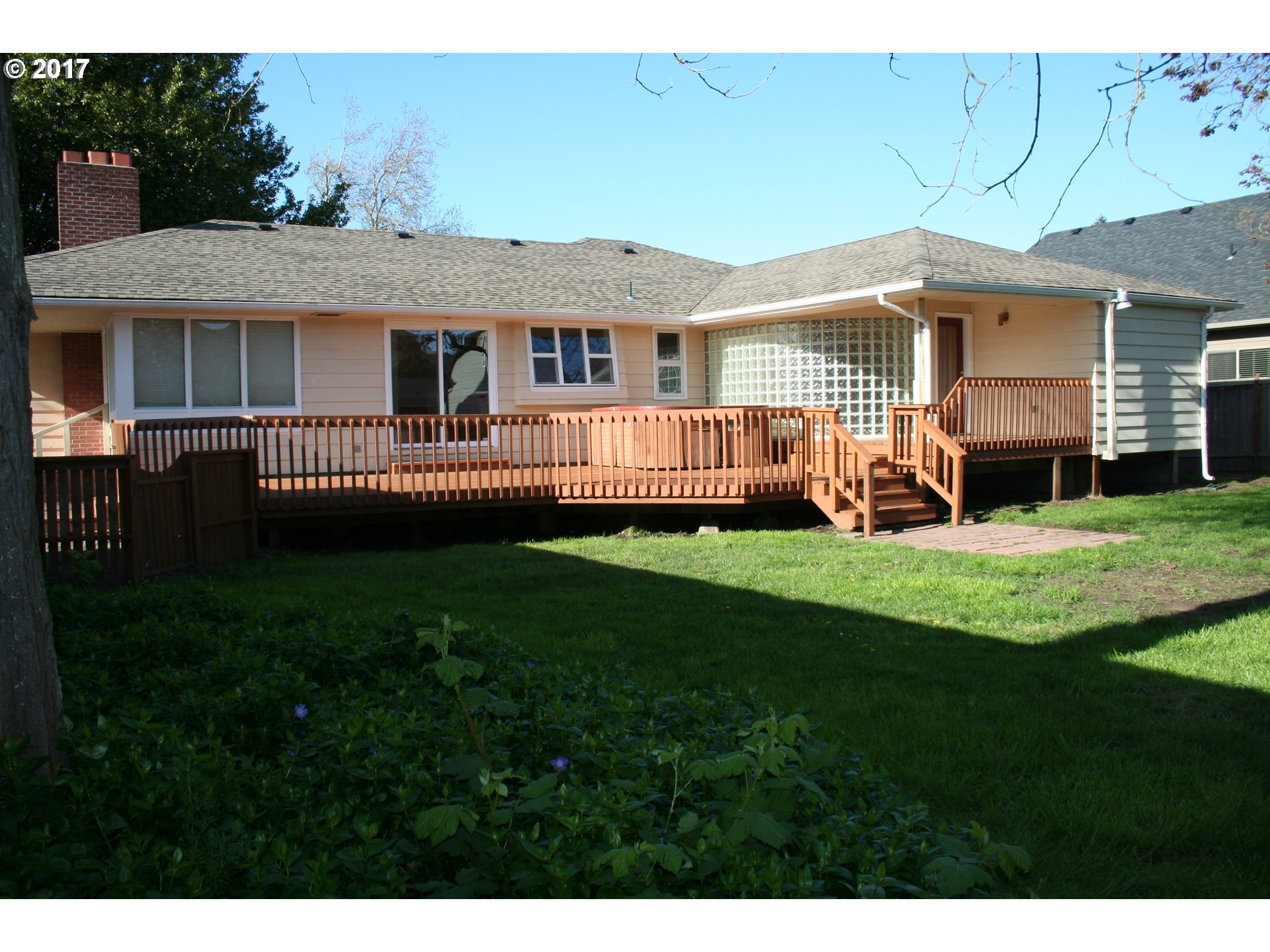 1031 S 40TH ST, Springfield, OR 97478