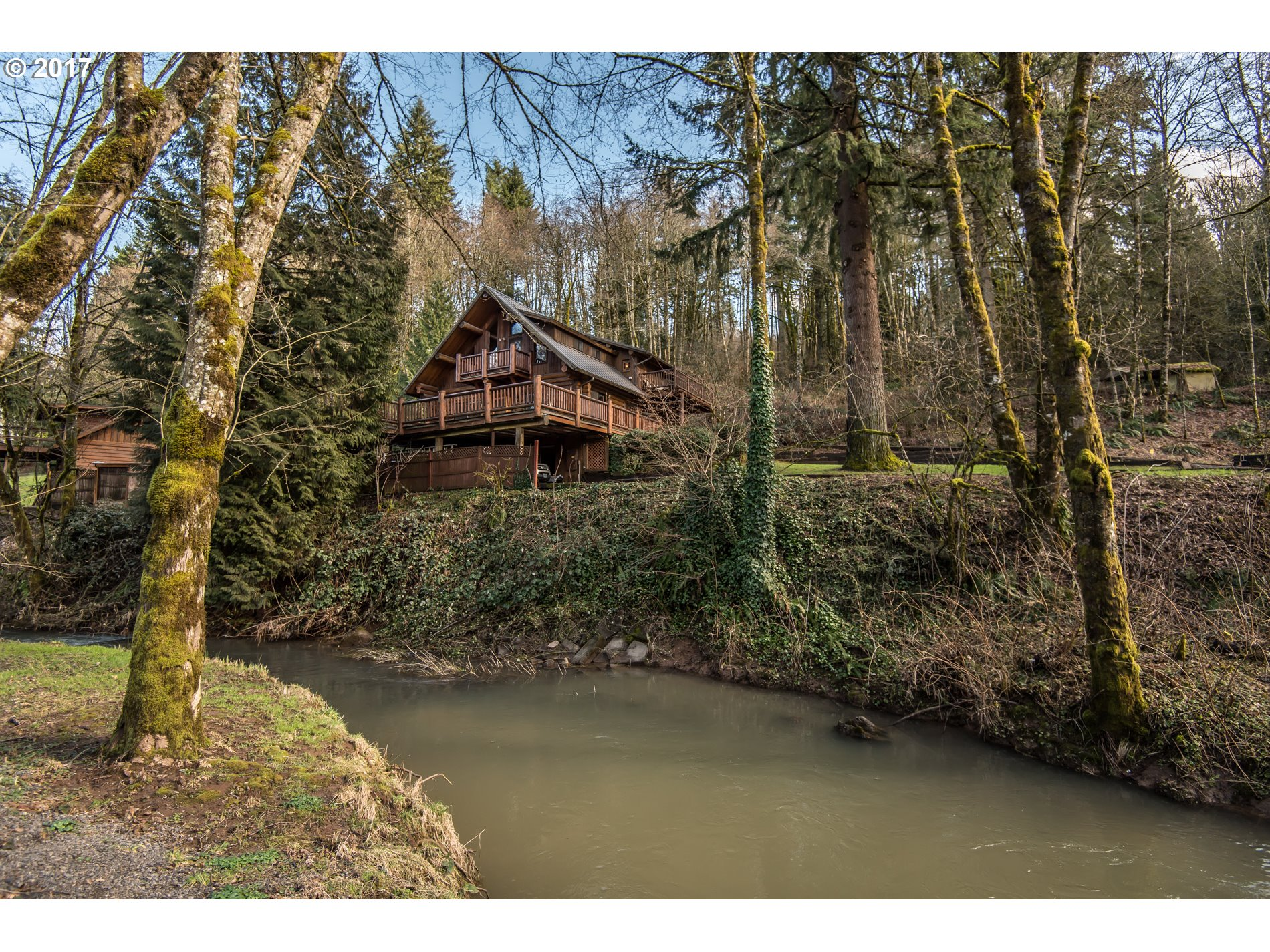 8900 SE HIDEAWAY CT, Damascus, OR 97089