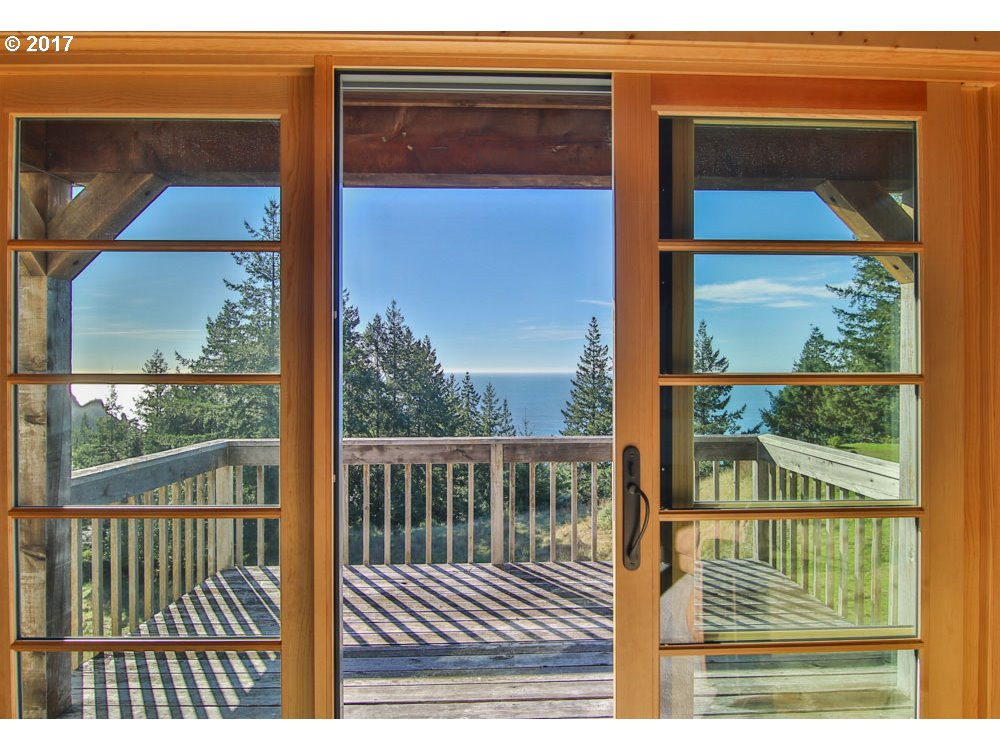 38070 PACIFIC HIGHLANDS DR, PORT ORFORD, OR 97465  Photo 18