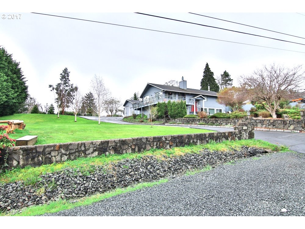 2159 16TH, North Bend, OR 97459