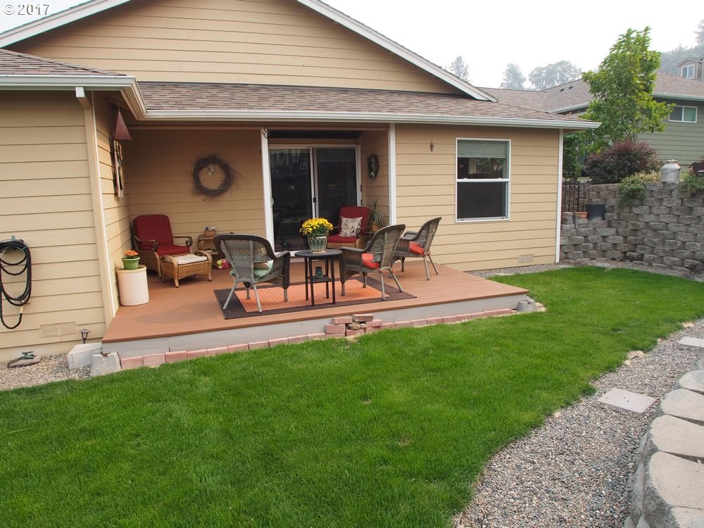 1109 MYRTLE ST, THE DALLES, OR 97058  Photo 4