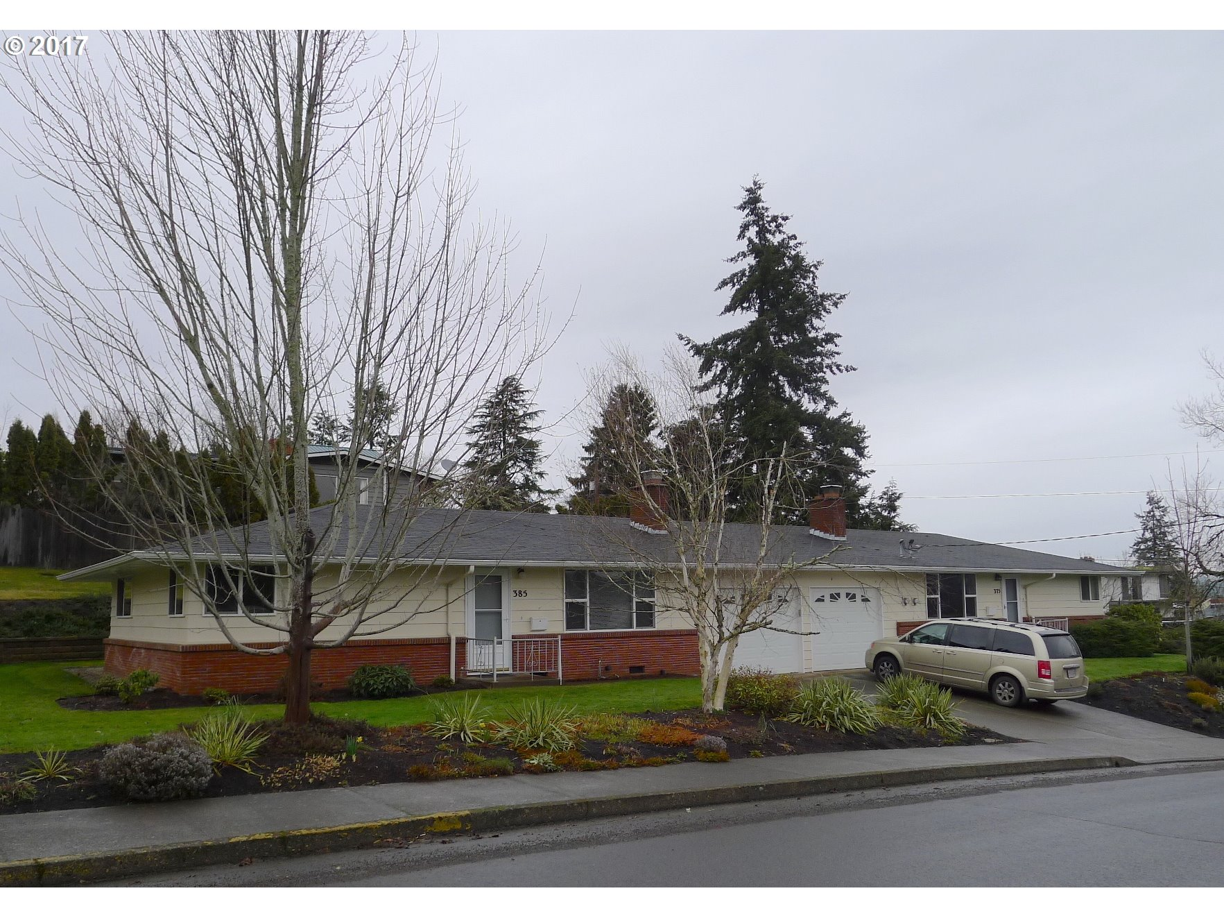 385 W 27TH AVE, Eugene, OR 97405