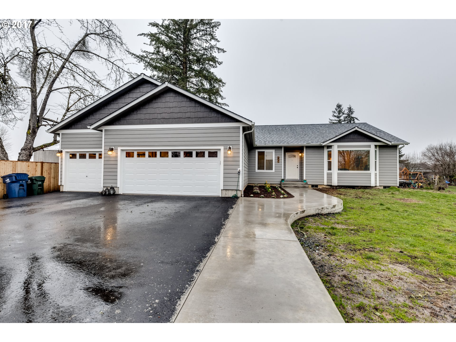 207 S 10TH ST, Creswell OR 97426