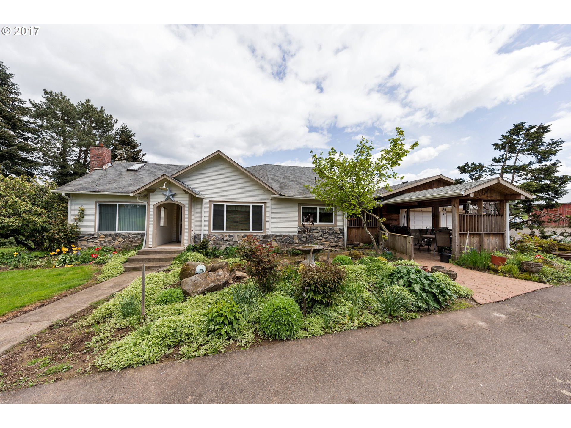 11852 S UNION HALL RD, Canby, OR 97013