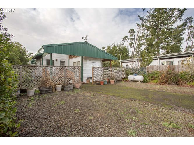 204 BOURBON ST, Florence, OR 97439