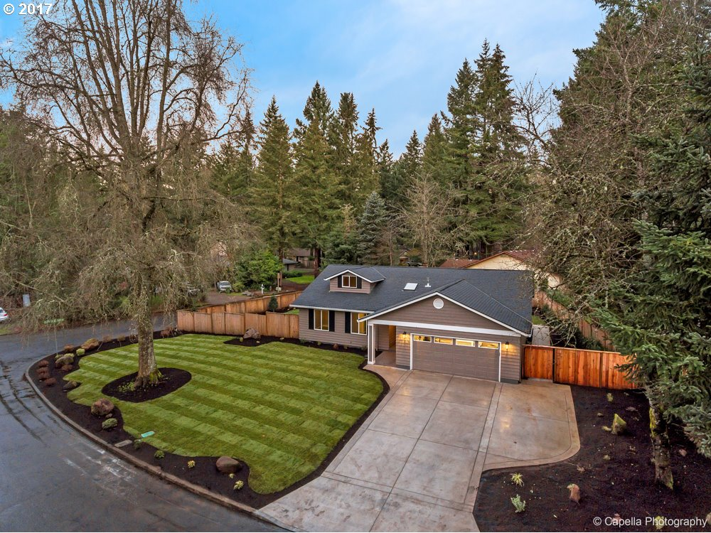19080 INDIAN SPRINGS CIR, Lake Oswego, OR 97035