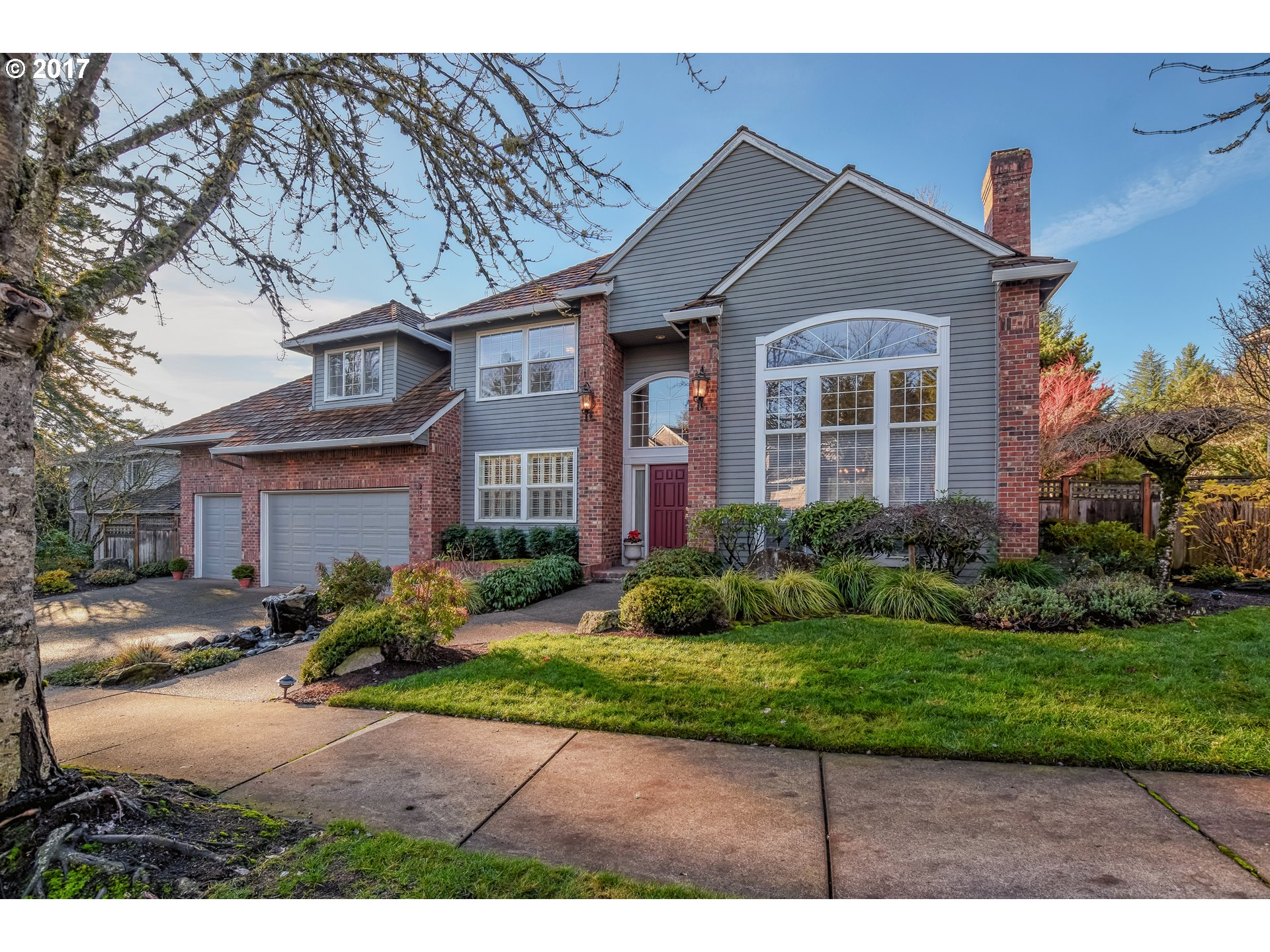 2575 BEACON HILL DR, West Linn, OR 97068