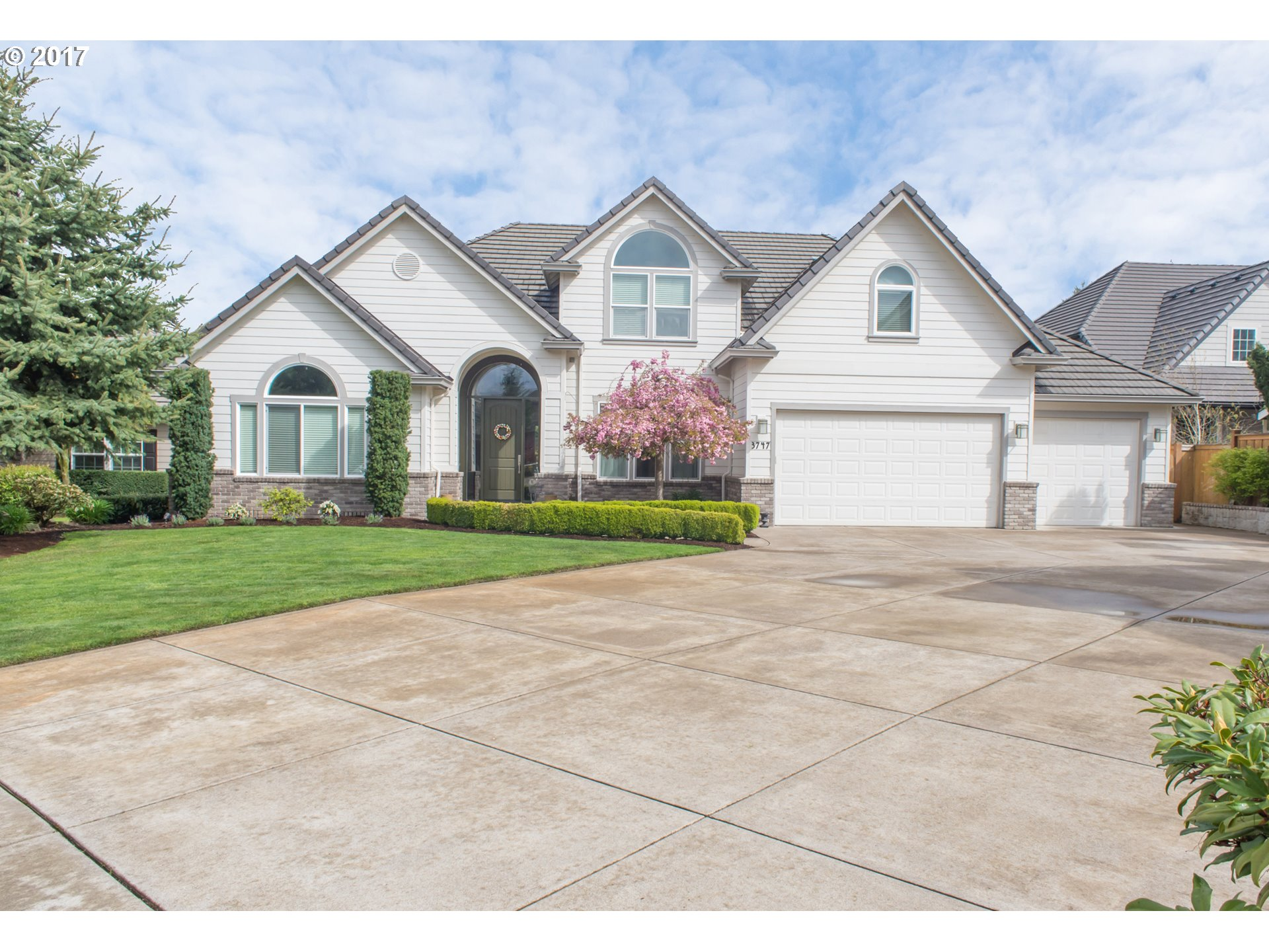 3747 MARCELLA DR, Eugene, OR 97408