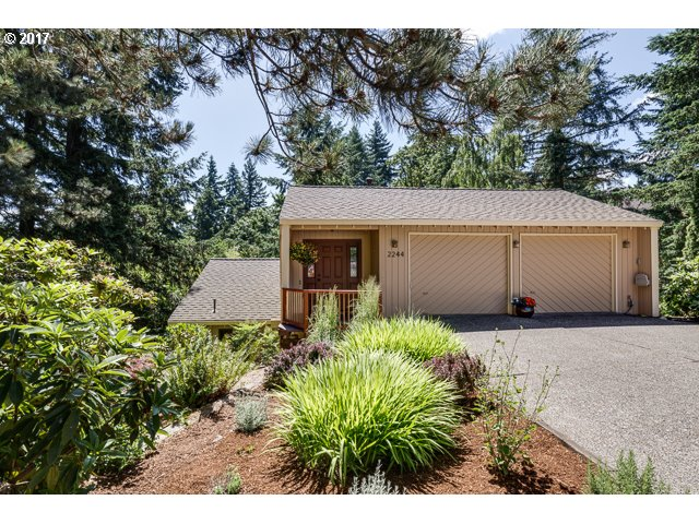 2244 VALLEY CT, West Linn, OR 97068