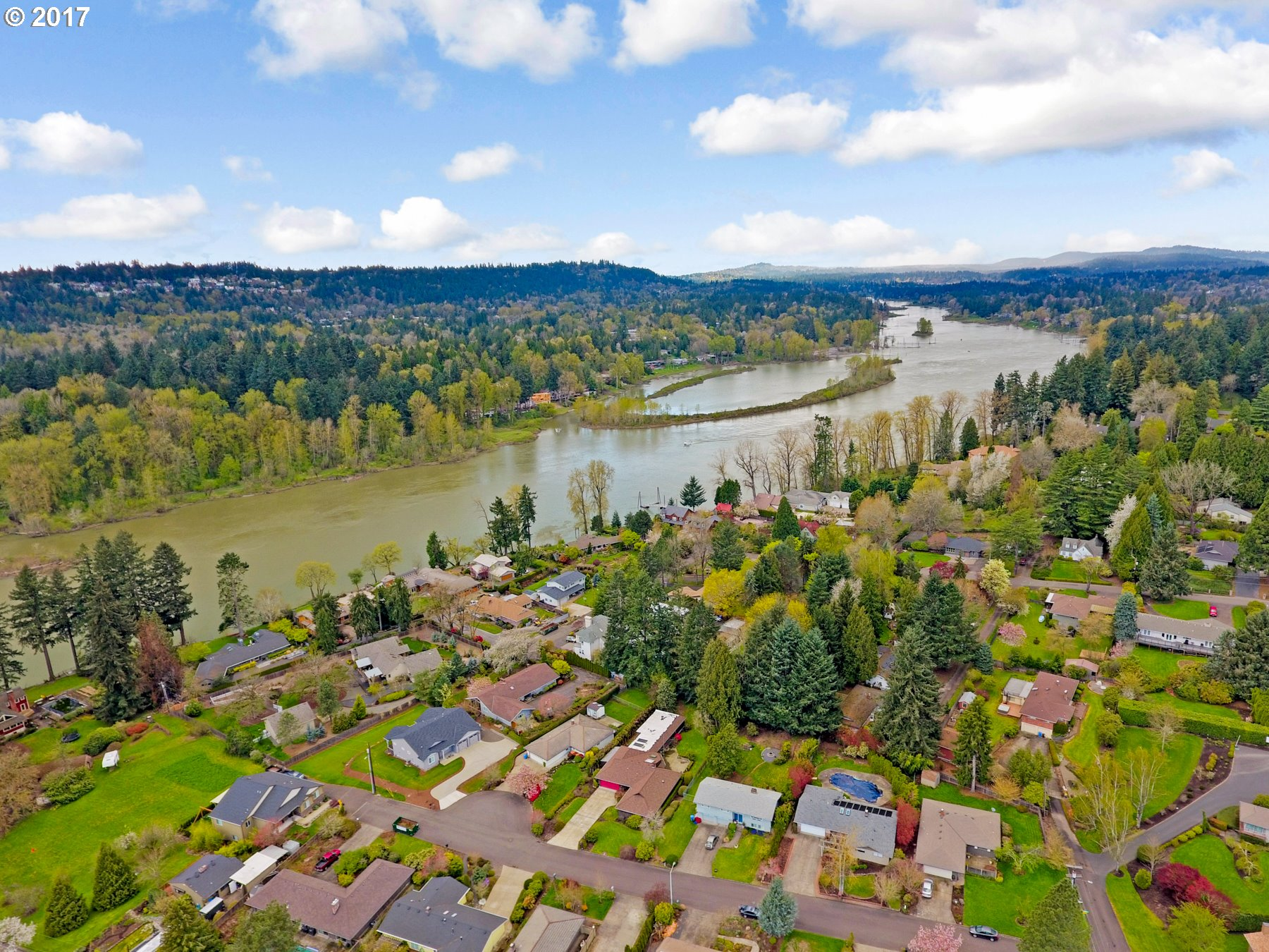 4369 SE OLD ORCHARD CT, Milwaukie, OR 97267