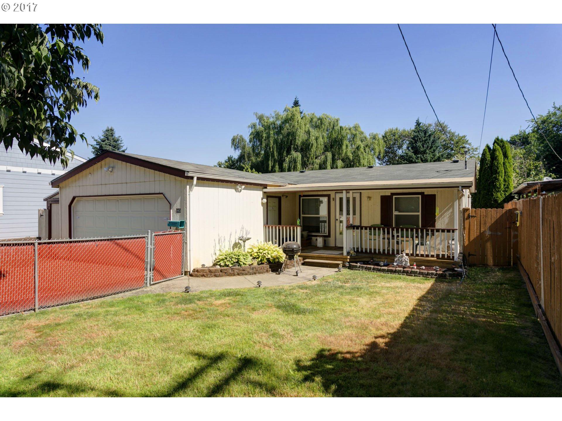 945 W HAYES ST, Woodburn, OR 97071