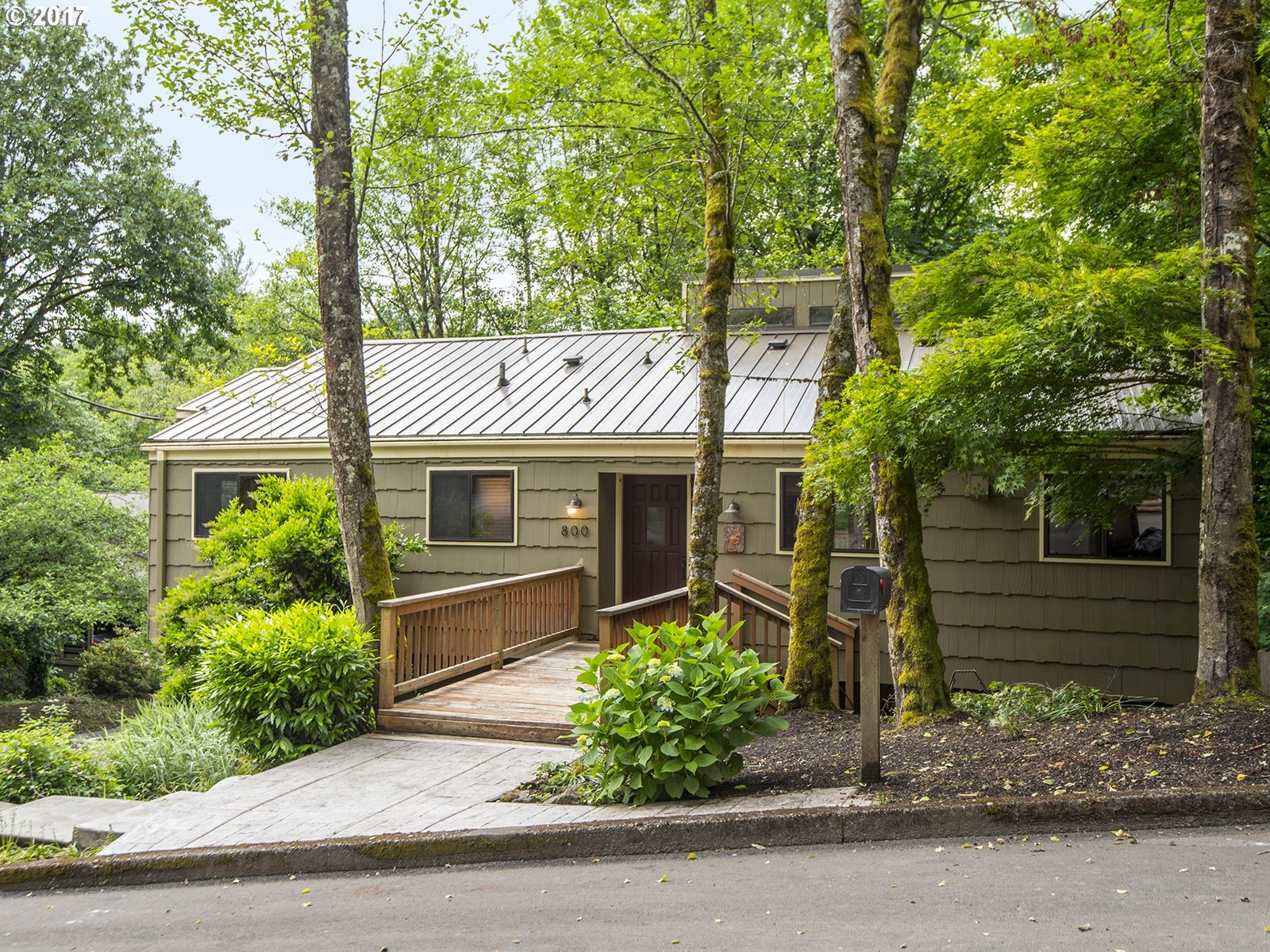 800 WOODWAY CT, Lake Oswego, OR 97034