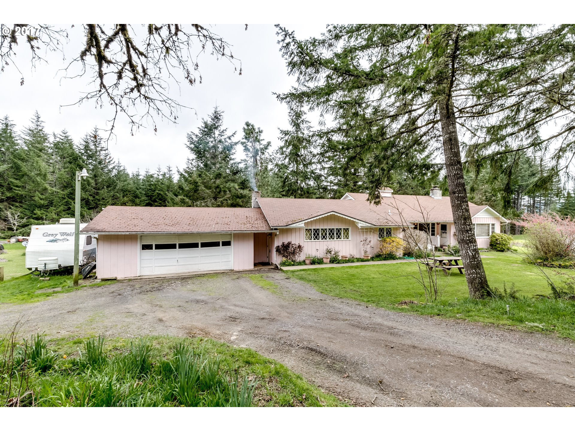 5225 Territorial HWY, Cottage Grove, OR 97424