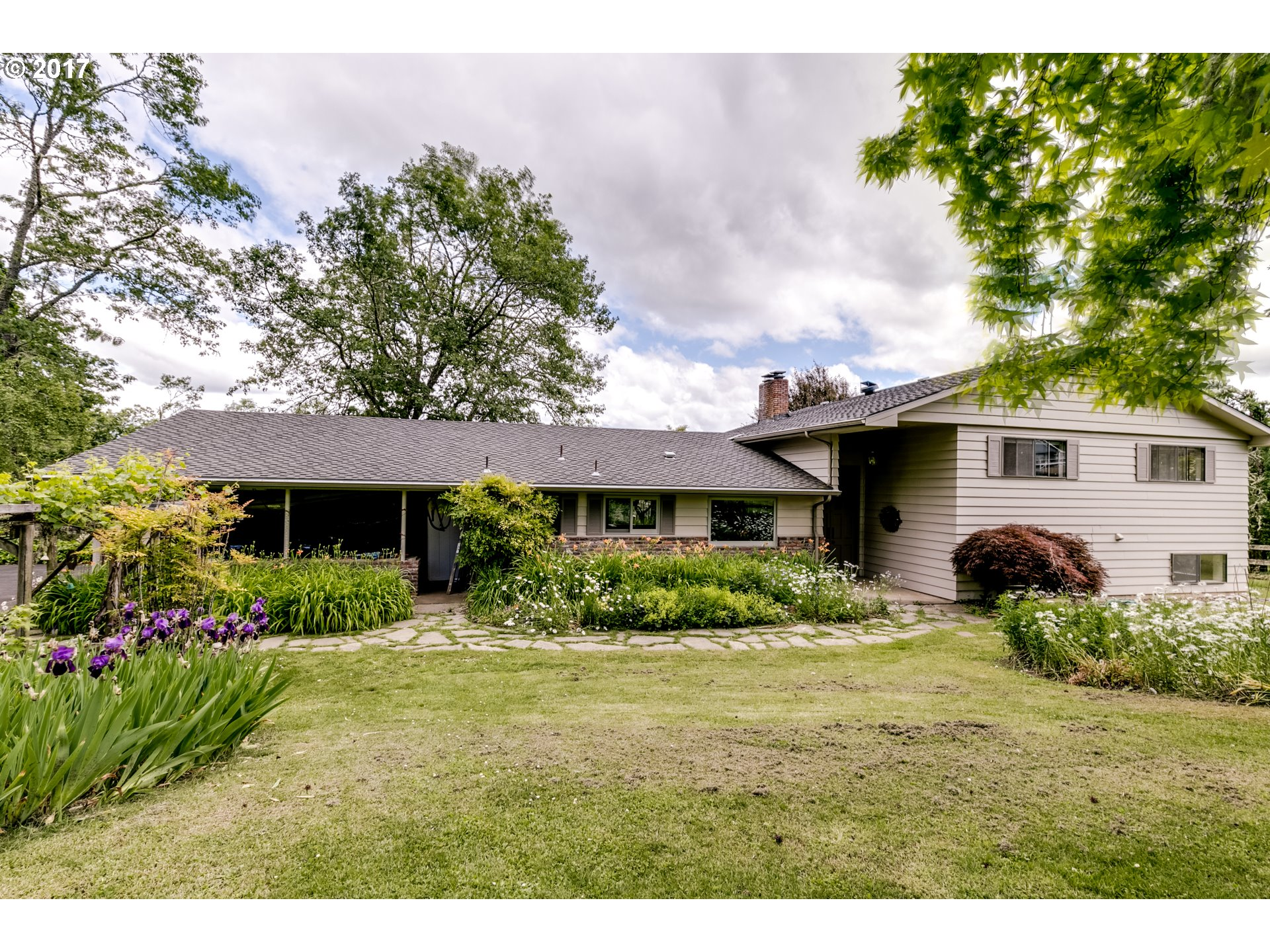 87451 GREENHILL RD, Eugene, OR 97402
