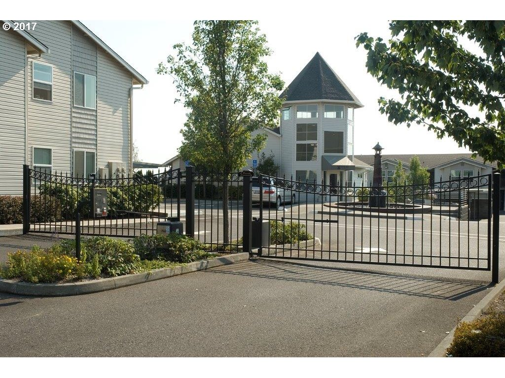 15052 NW CENTRAL DR, Portland, OR 97229