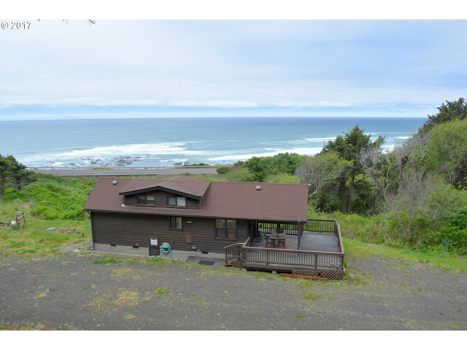 94661 HWY 101, Yachats, OR 97498