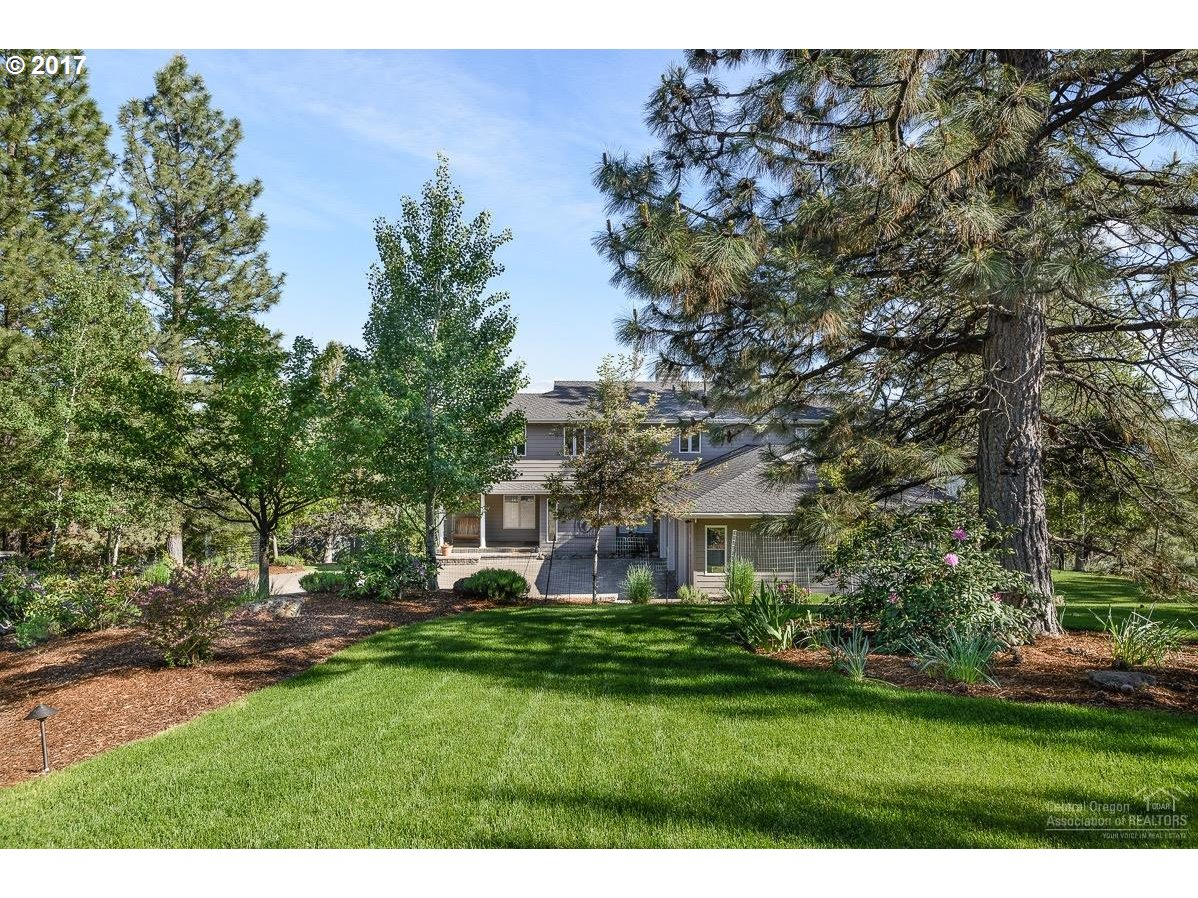 1539 NW SUMMIT DR NW, Bend, OR 97703