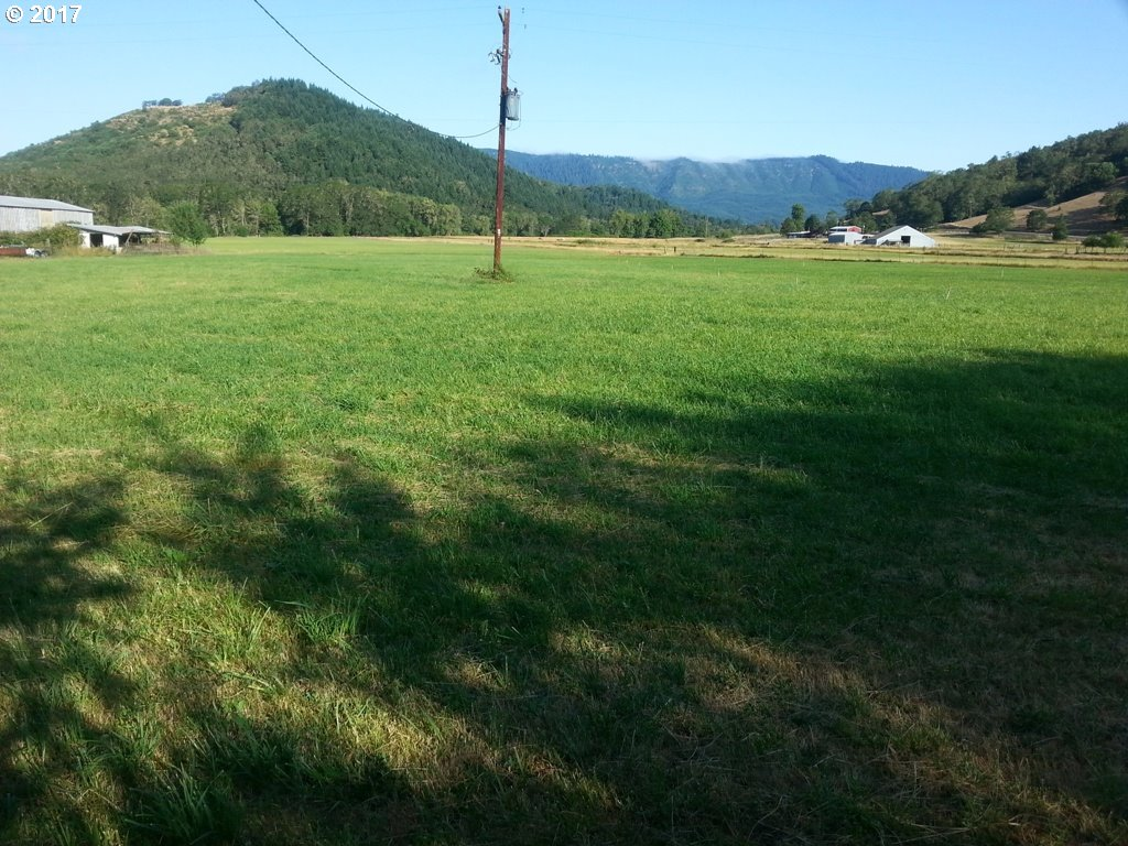 512 COLE RD Oakland, OR 97462 - MLS #: 17402629