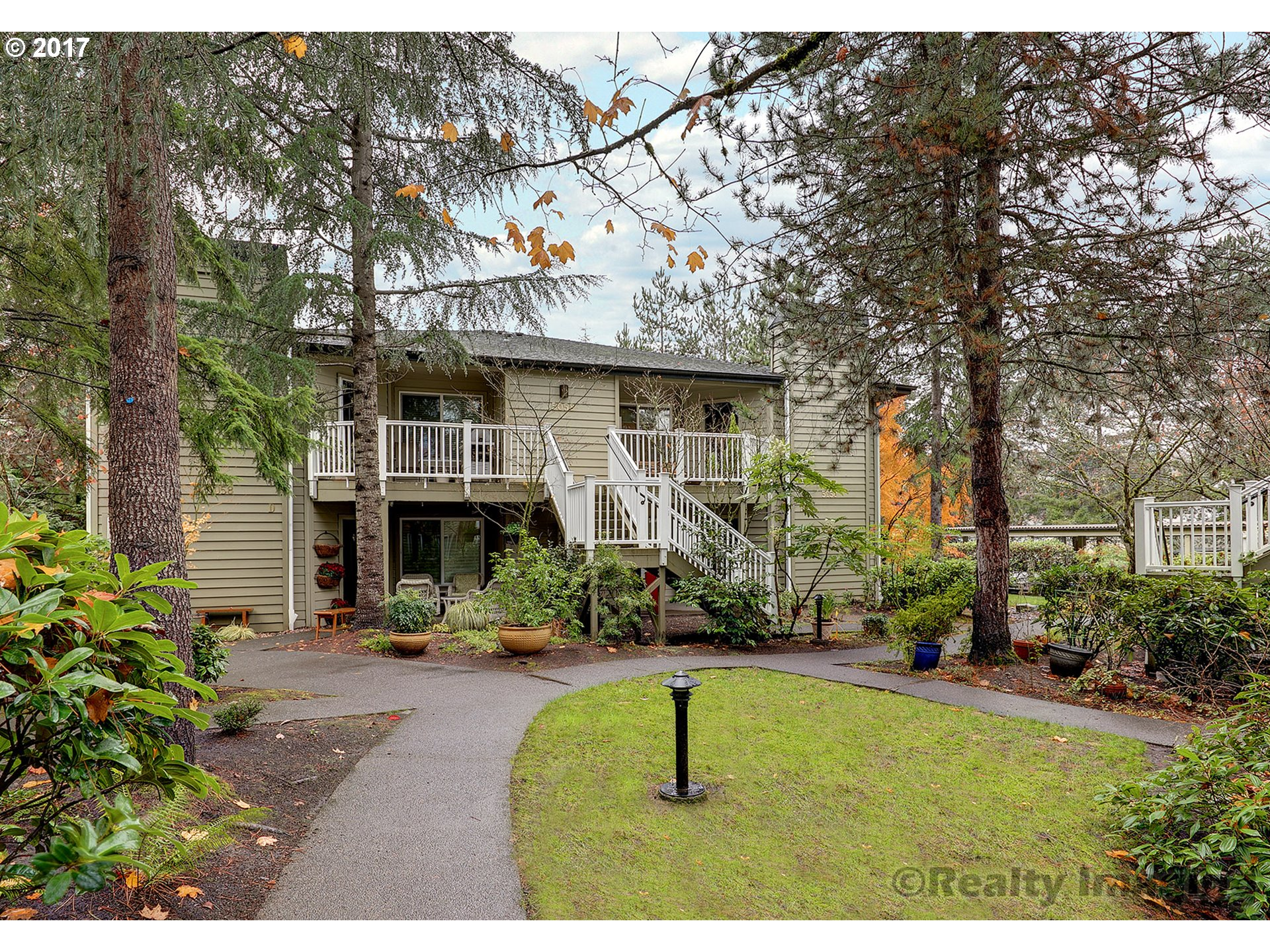 5058 FOOTHILLS DR A, Lake Oswego, OR 97034