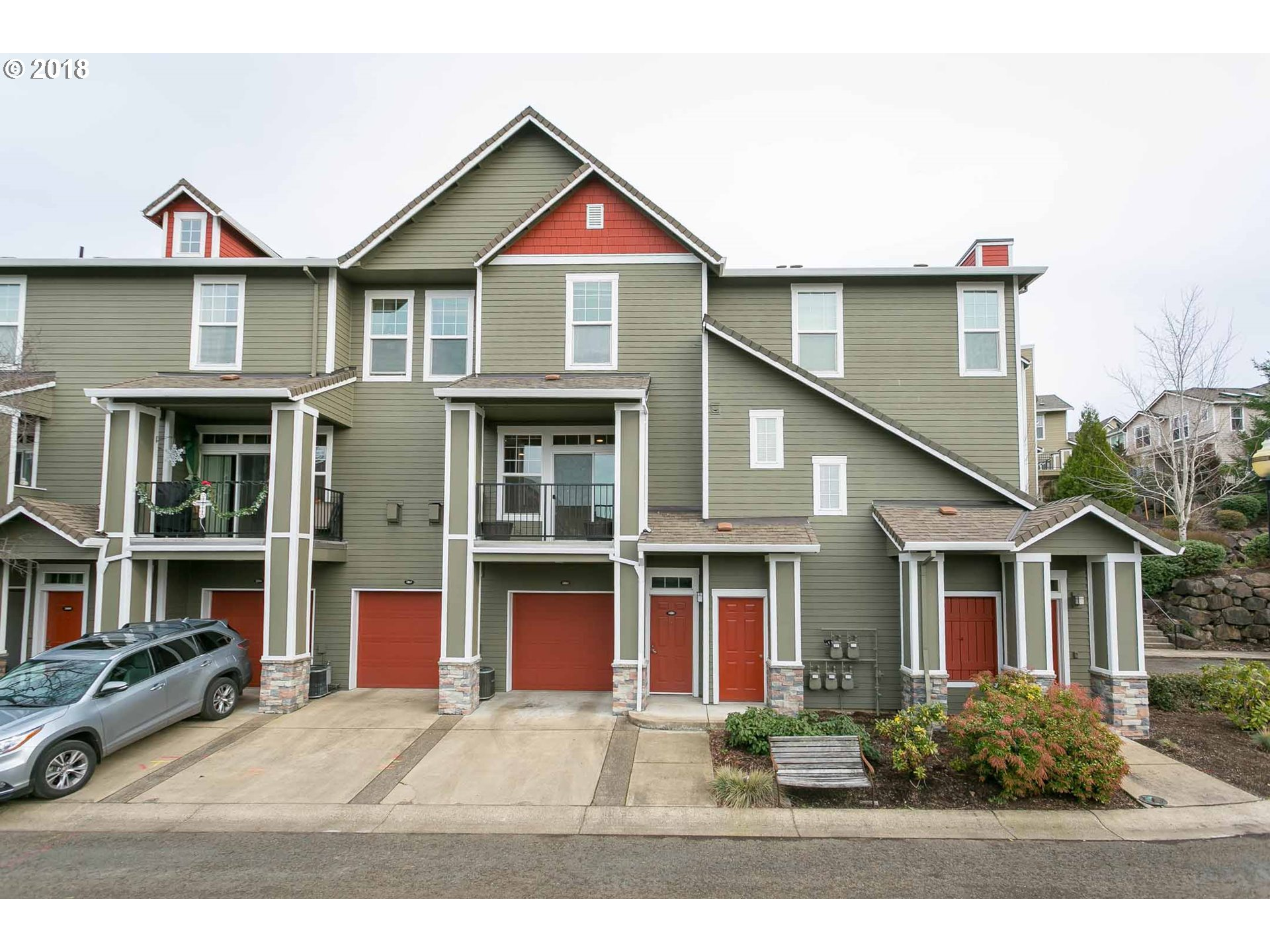 2460 SNOWBERRY RIDGE CT, West Linn, OR 97068