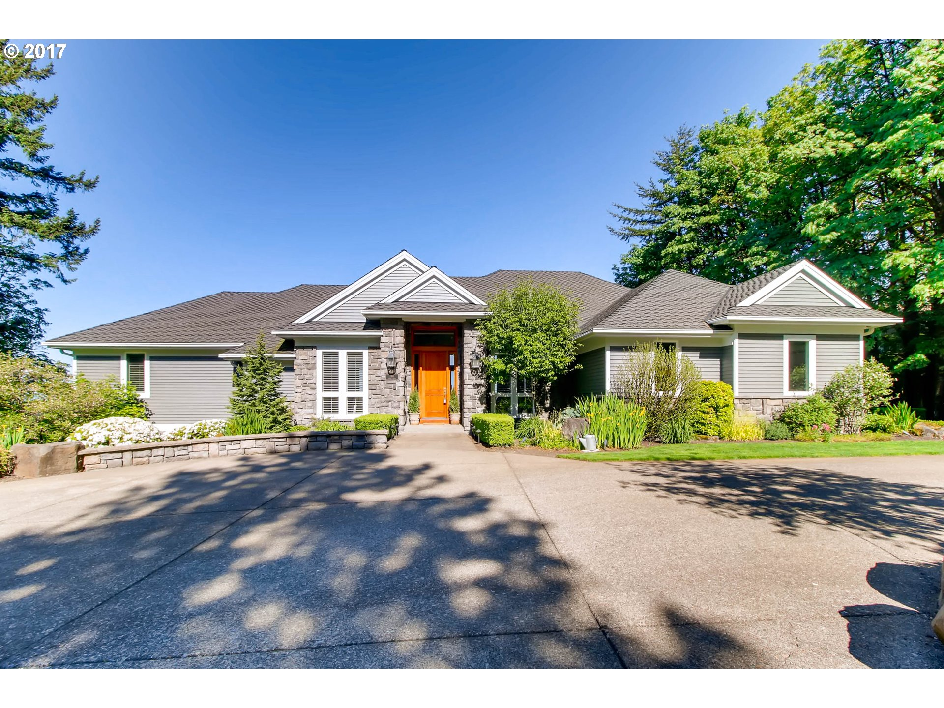 814 NW SPRING AVE, Portland, OR 97229