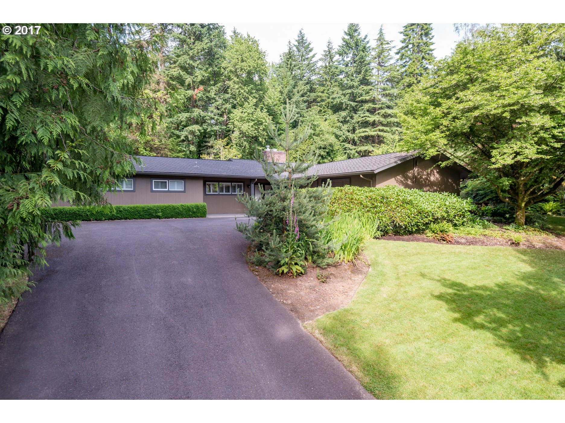 13231 SW IRON MOUNTAIN BLVD, Portland, OR 97219