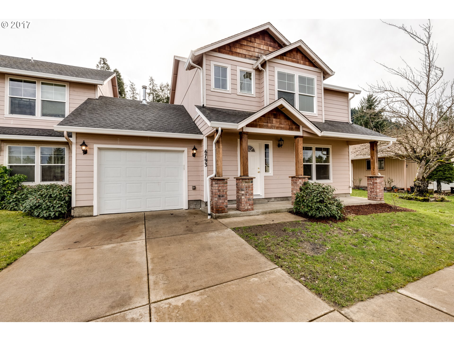 208 S 67TH CT, Springfield, OR 97478